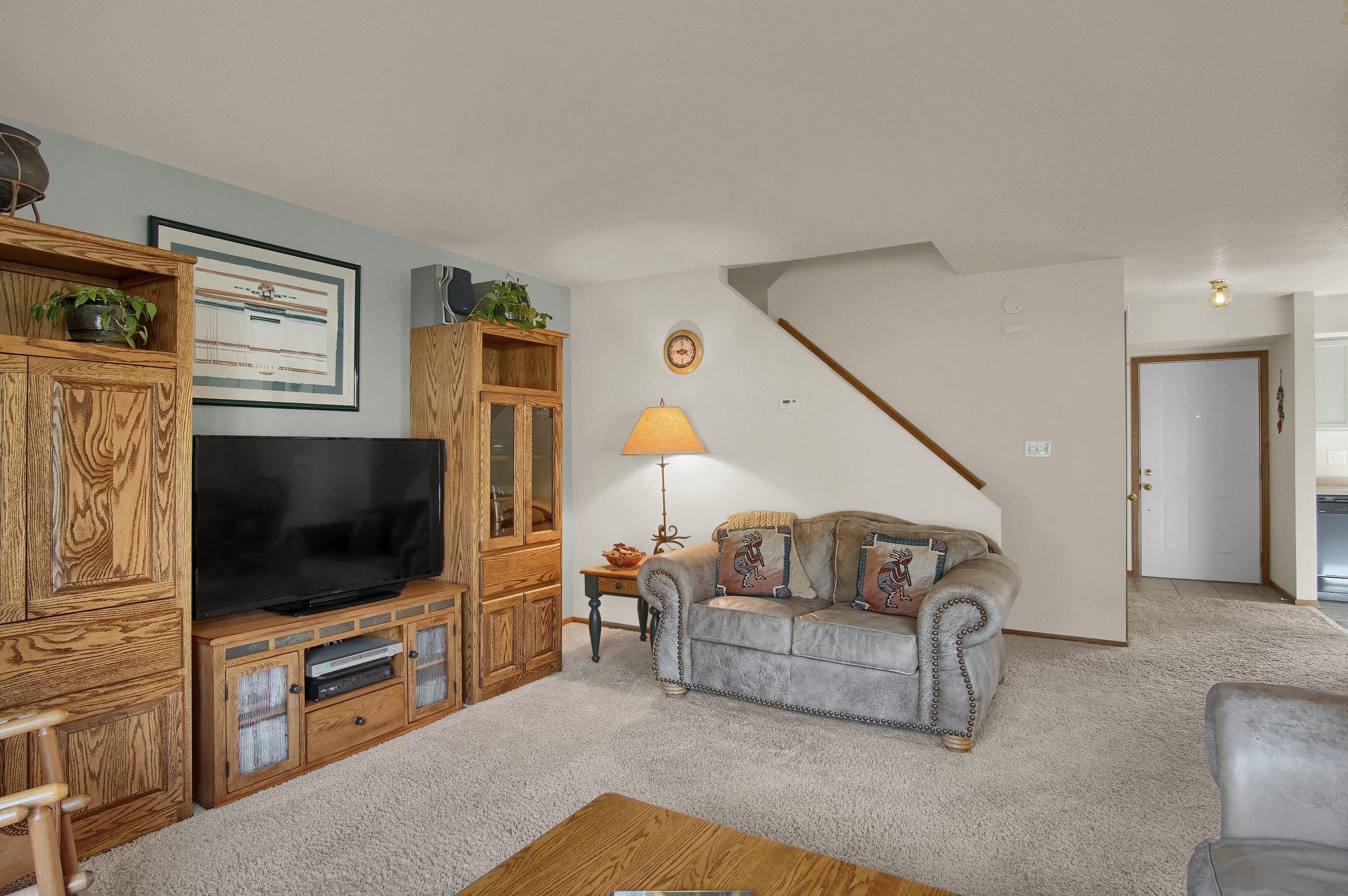 680 Echo Lane Colorado Springs-print-006-013-Living Room-3008x2000-300dpi.jpg