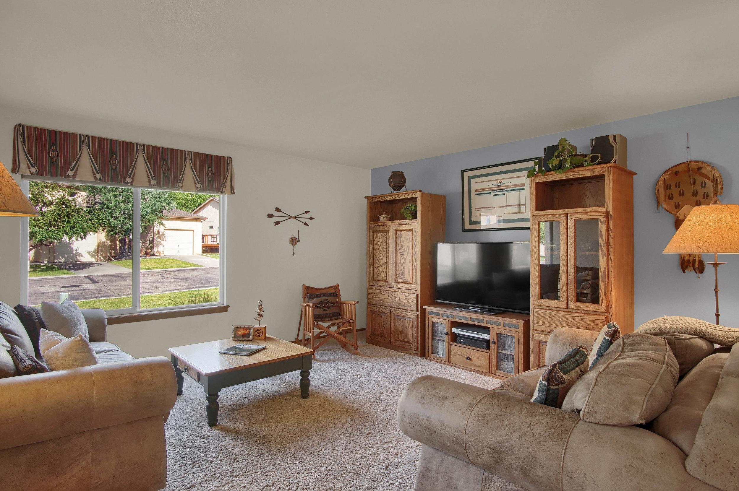680 Echo Lane Colorado Springs-print-005-020-Living Room-3008x2000-300dpi.jpg