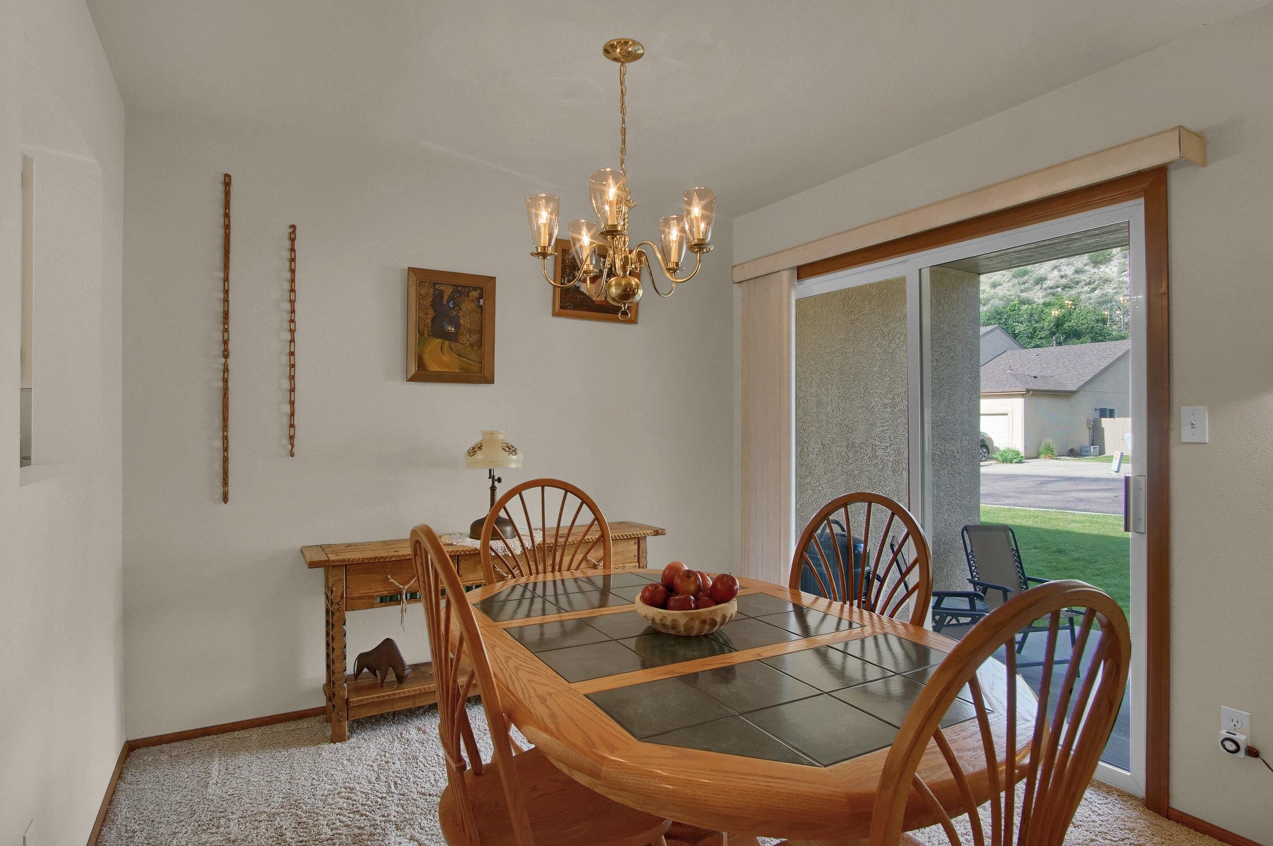 680 Echo Lane Colorado Springs-print-009-009-Dining Room-3008x2000-300dpi.jpg