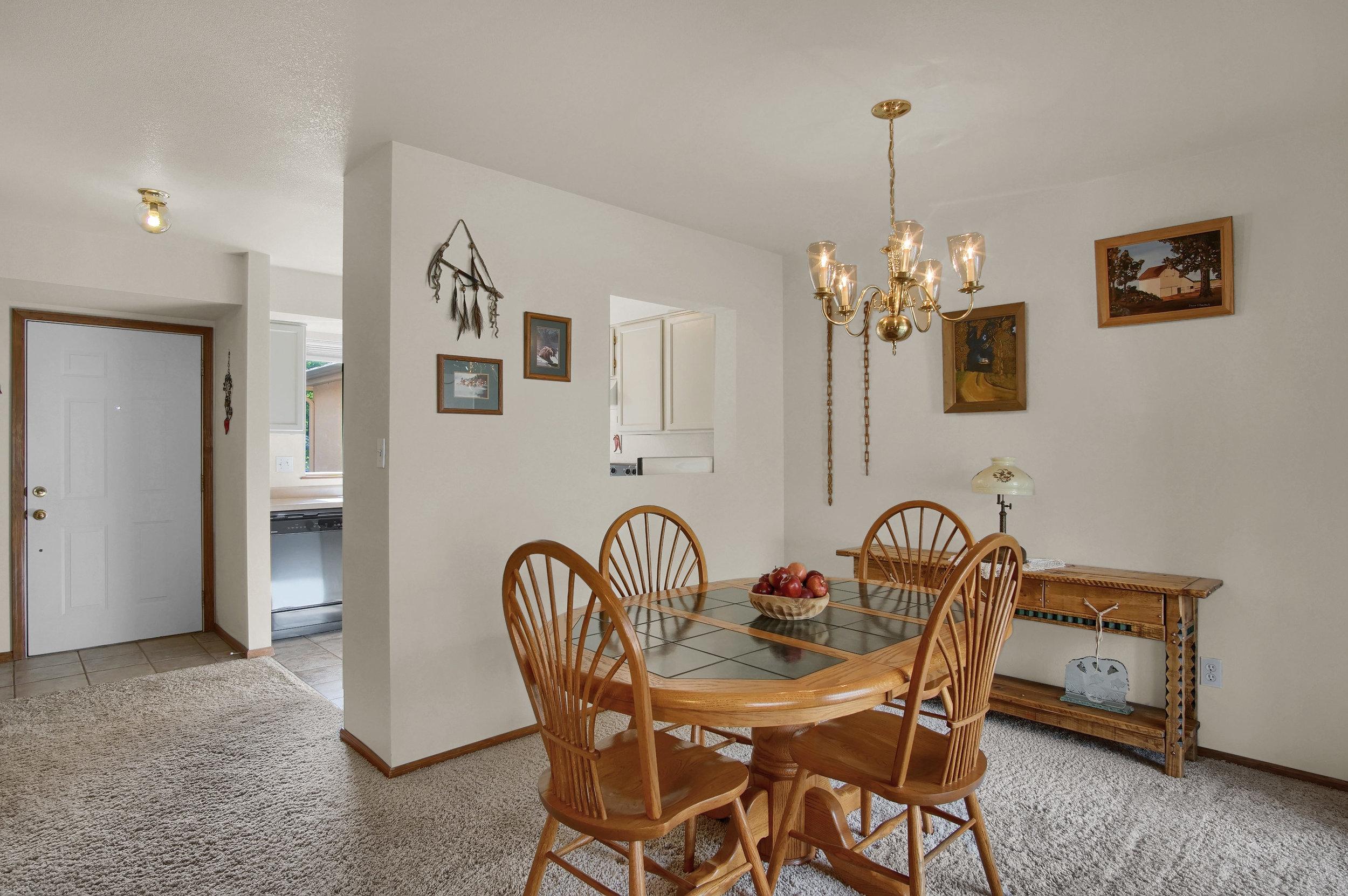 680 Echo Lane Colorado Springs-print-011-012-Dining Room-3008x2000-300dpi.jpg