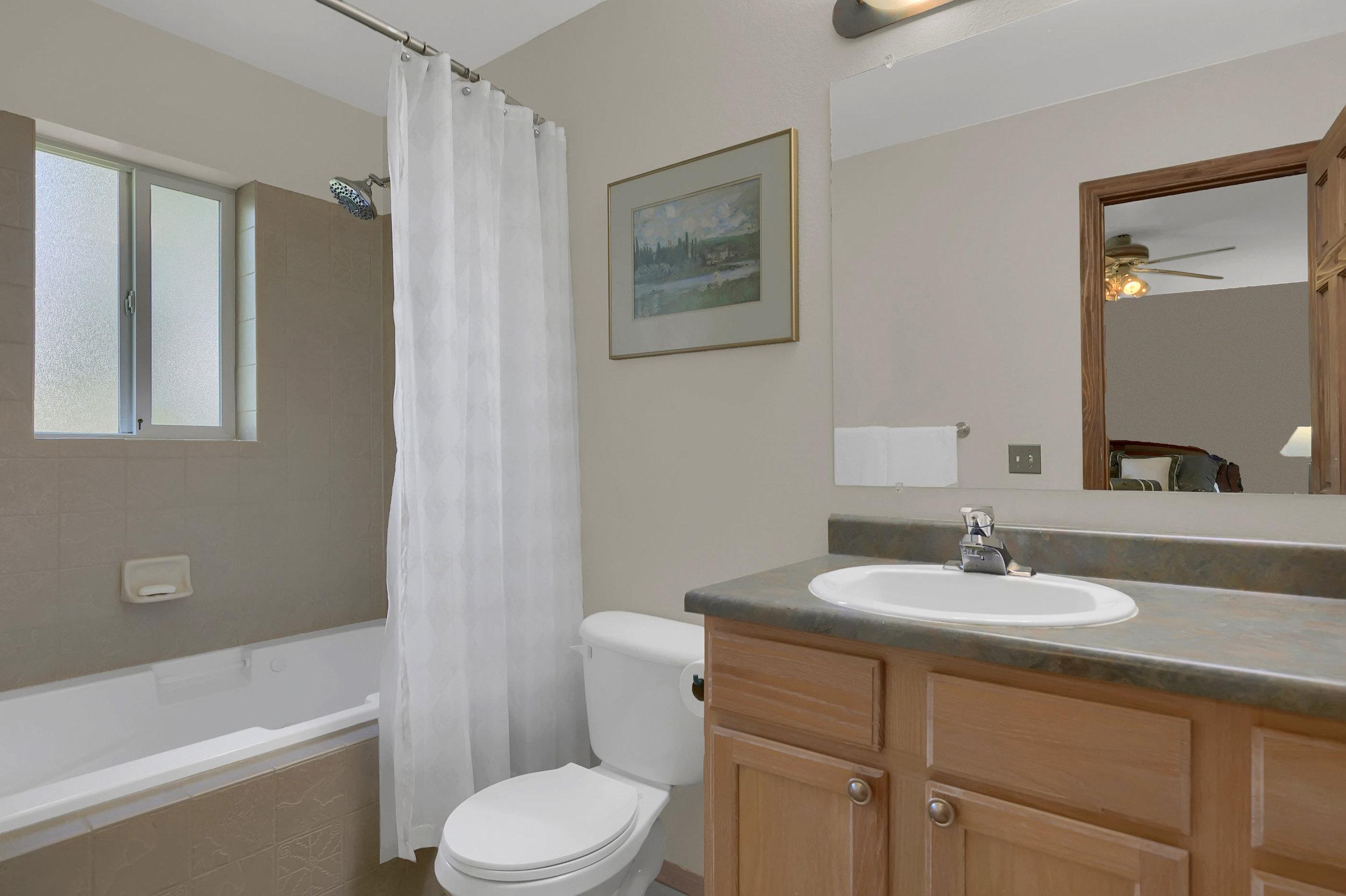 1605 Vickers Drive Colorado-print-020-005-Bathroom-2800x1865-300dpi.jpg