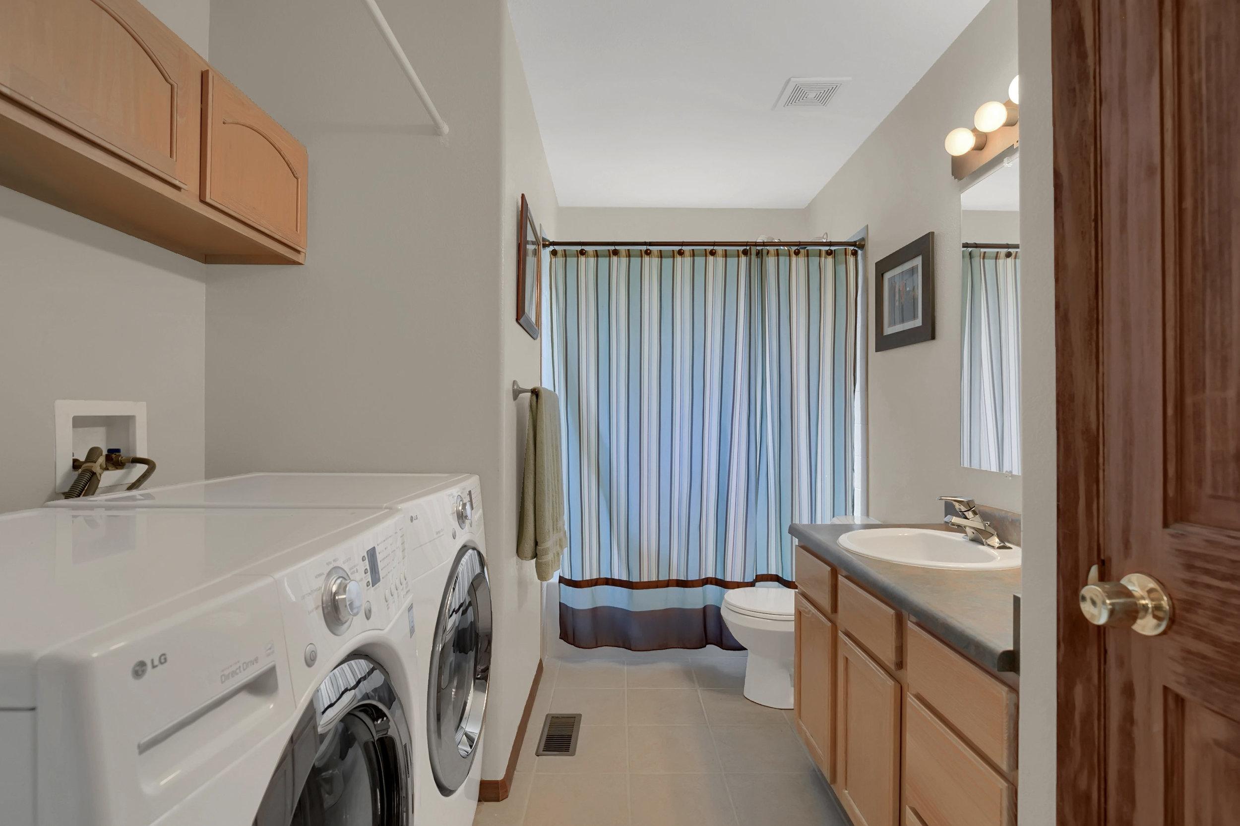 1605 Vickers Drive Colorado-print-021-006-Laundry-2800x1867-300dpi.jpg