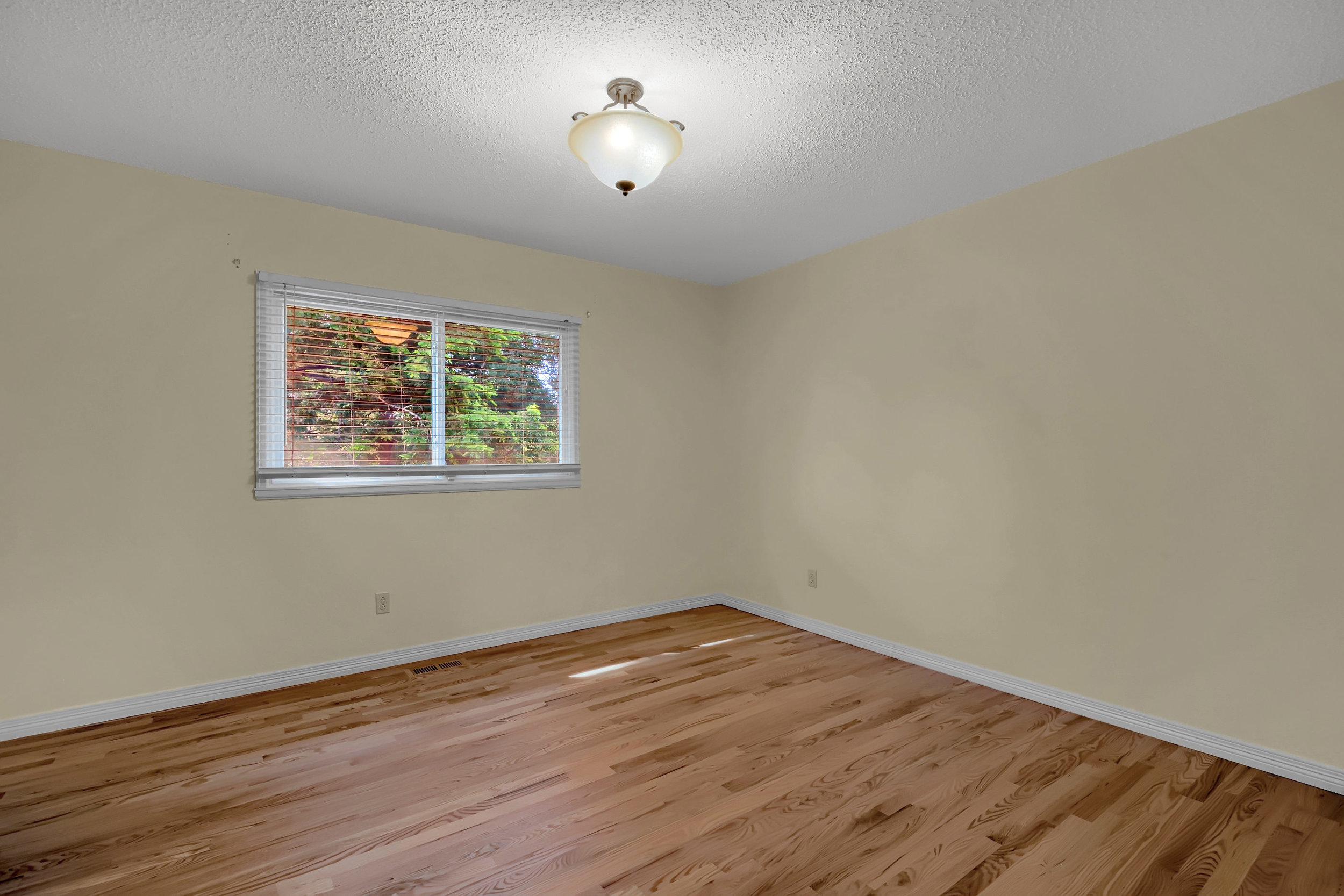 4215 Stonehaven Dr Colorado-print-026-025-Bedroom-2800x1867-300dpi.jpg