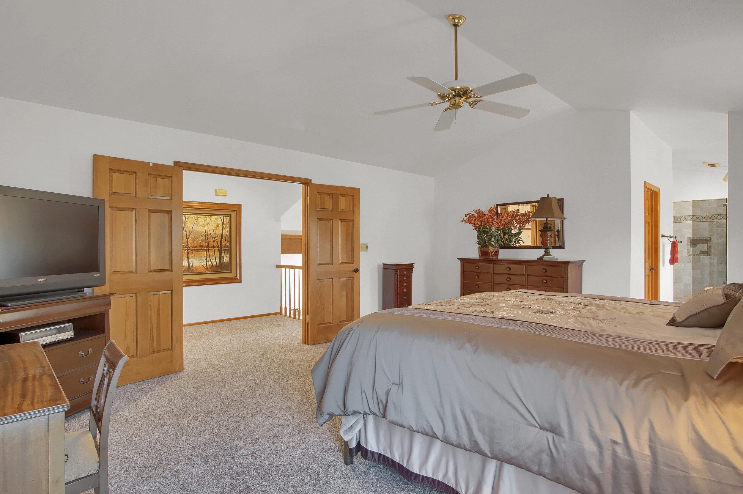 4919 Nightshade Cir Colorado-print-035-024-Bedroom-3008x2000-300dpi.jpg