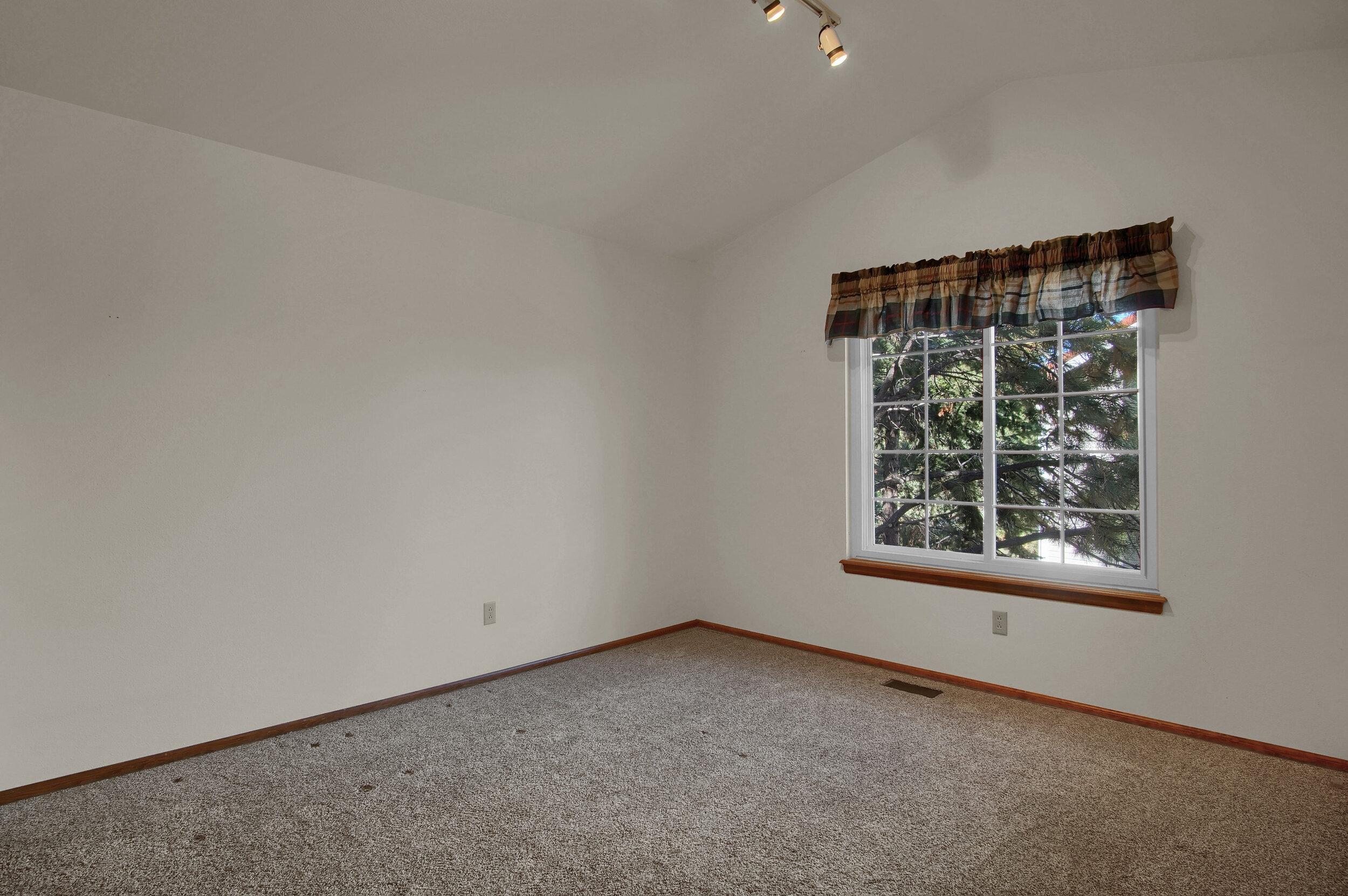 4919 Nightshade Cir Colorado-print-040-031-Bedroom-3008x2000-300dpi.jpg