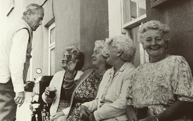 Happy #Bloomsday! I loved these flirting, Guinness-drinking ladies I met at a Bloomsday celebration at the birthplace of Nora Barnacle, James Joyce's wife, Galway on June 16, 1989.