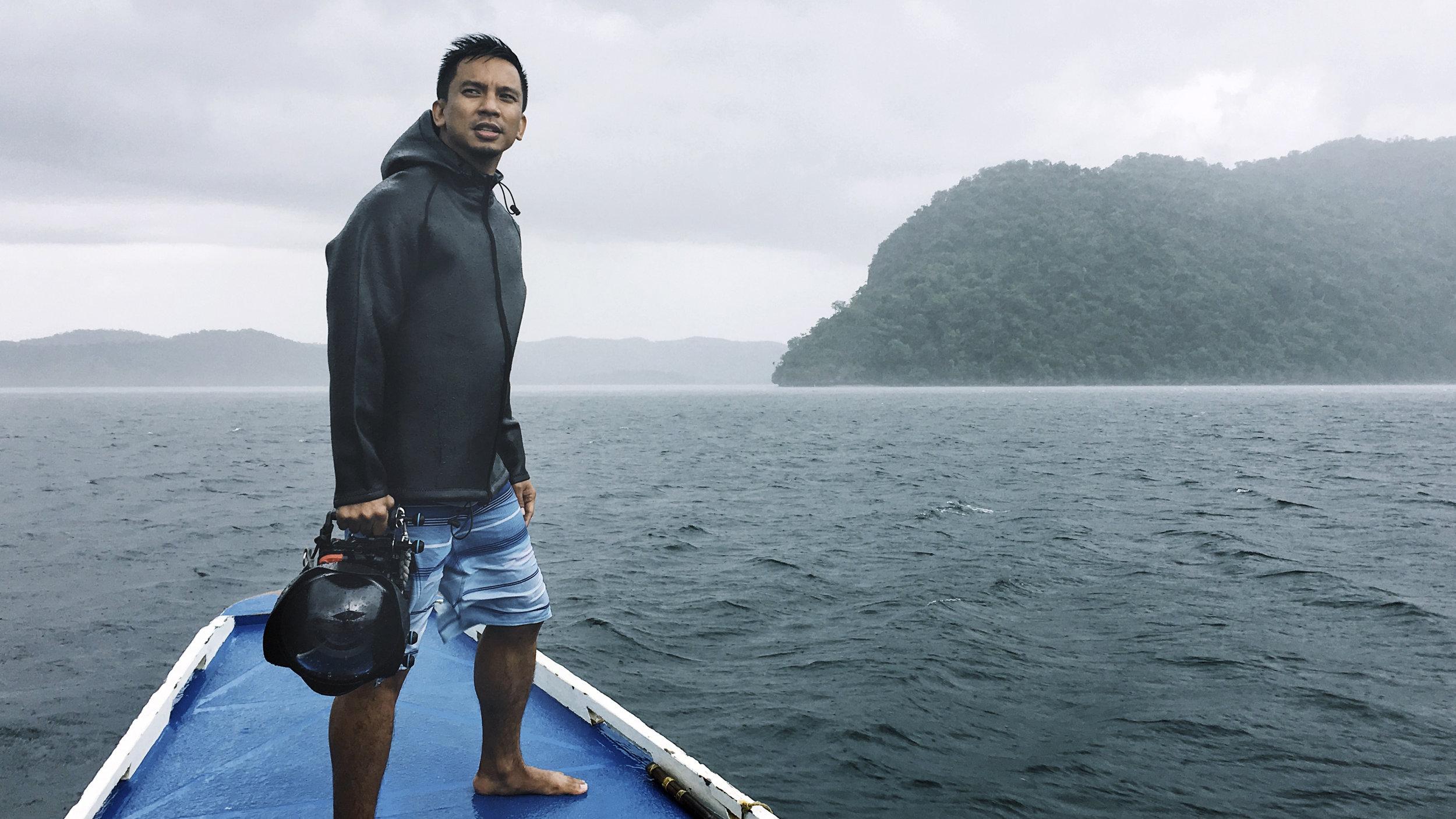 22º Brand Ambassador Noel Guevara wearing his ocean jacket on photo assignment.