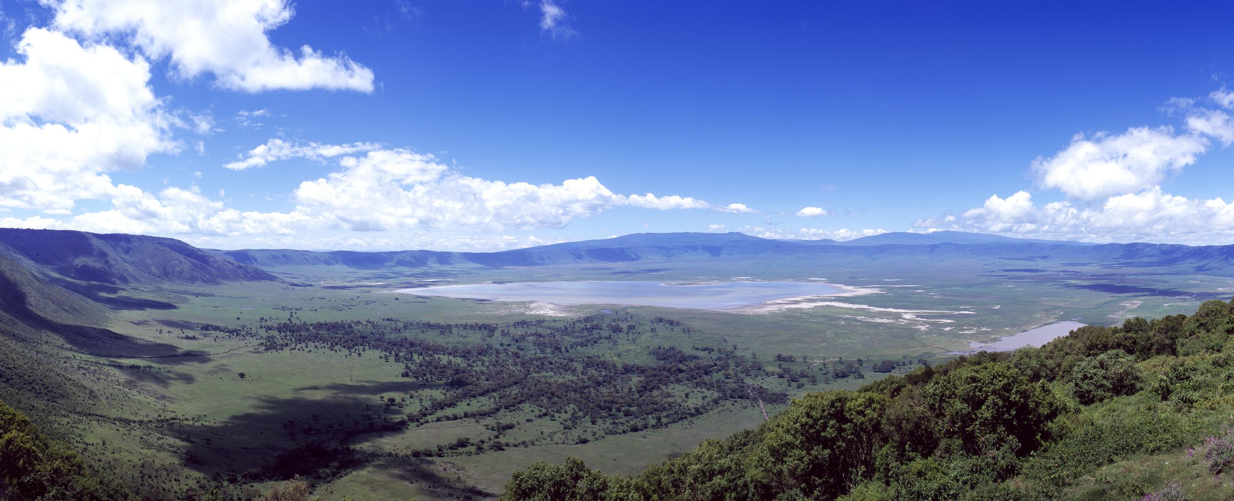 L012 - Ngorongoro Crater.jpg