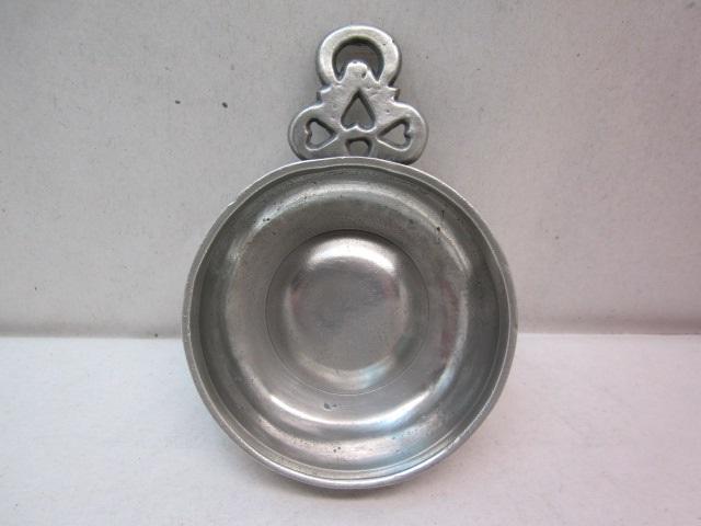 new england 'hearts and moon' porringer  item #2-769