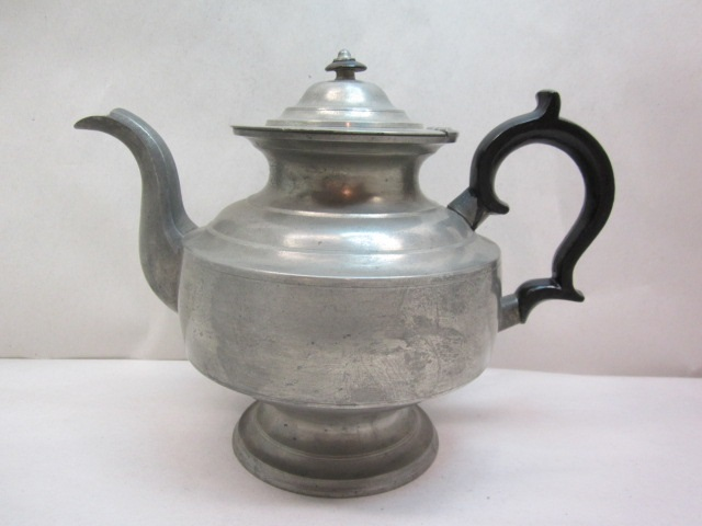 curtiss Albany teapot  item #br-824