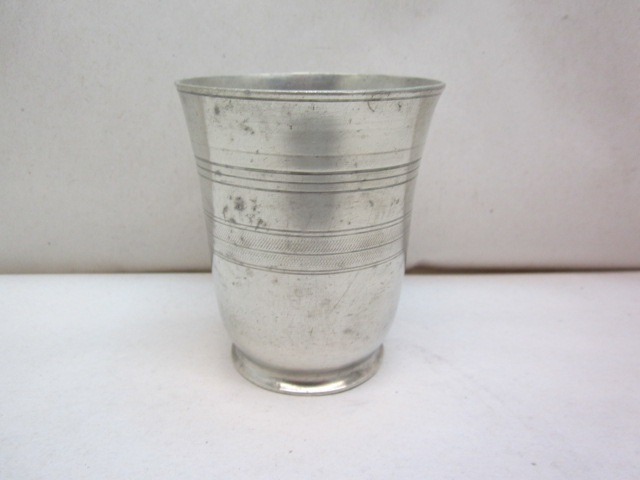 trask footed beaker  item #6-803