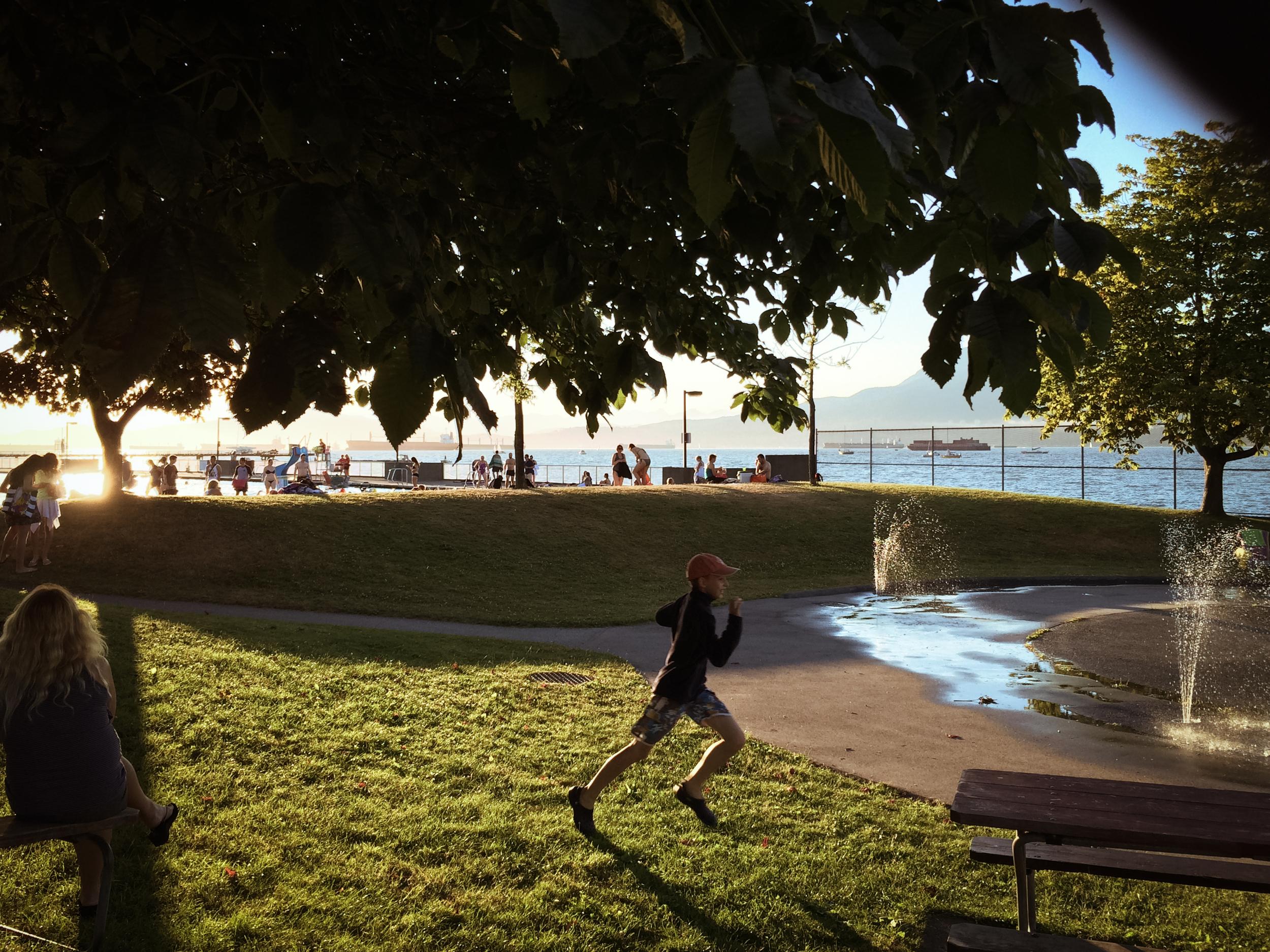 Kitsilano-Beach-Pool-Park