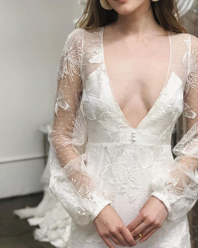 "Nobody nails the details quite like @alexandragrecco ✨💫 😻 Our ""Lover of Mine"" Trunk Show is finally here this weekend Oct 18th - 20th and we've held a few select spots for last minute designer-dedicated appointments. Had your eye on Félix {pictured here} or any other beauties from the collection? This is the time to shop 'em all in one place... and at 10% off. More to L-O-V-E: the sale includes accessories too - veiling, capes, belts + more. Email or call to get the scoop on booking availability 😘"