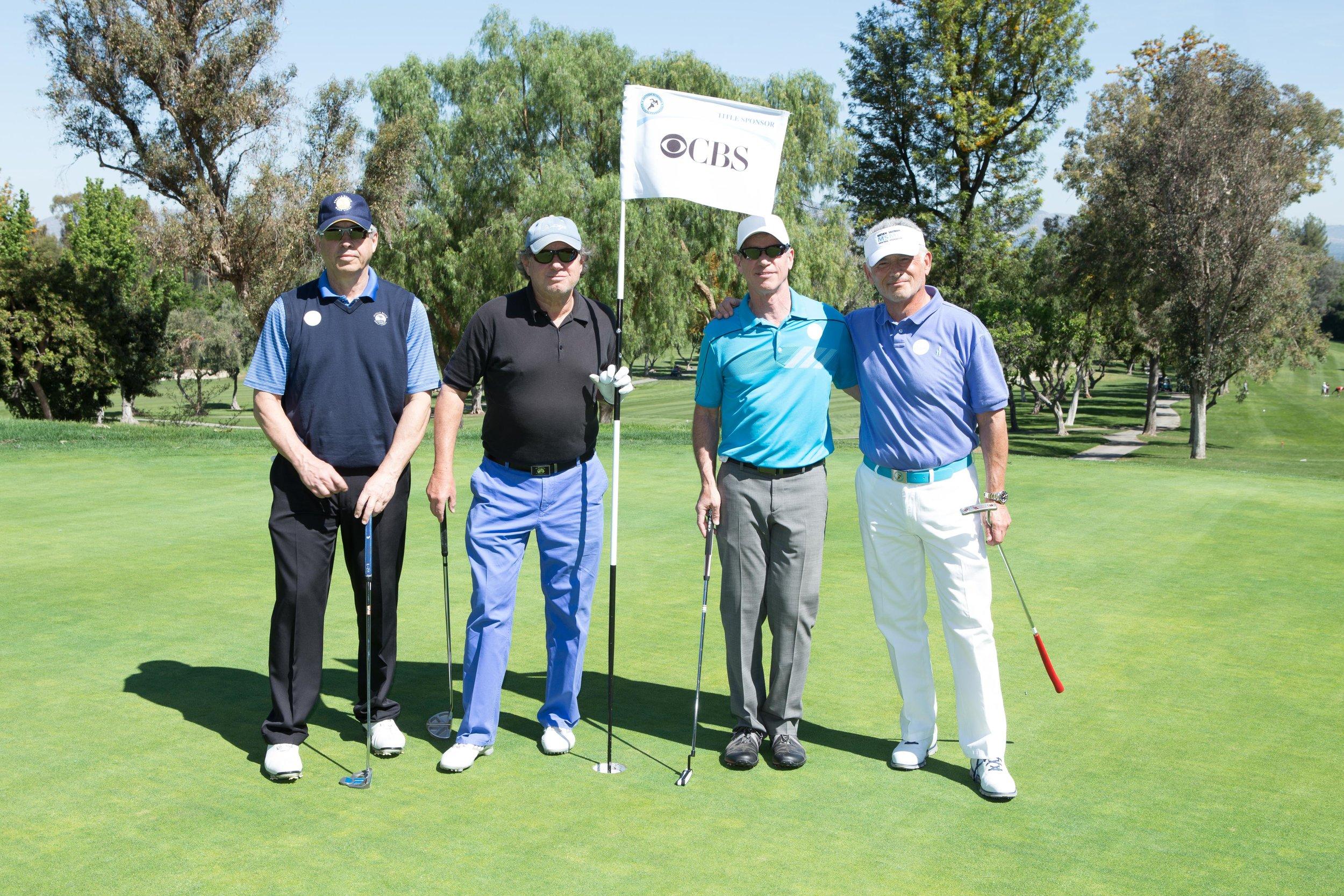 IMG_7808-Ron & golfers.jpg