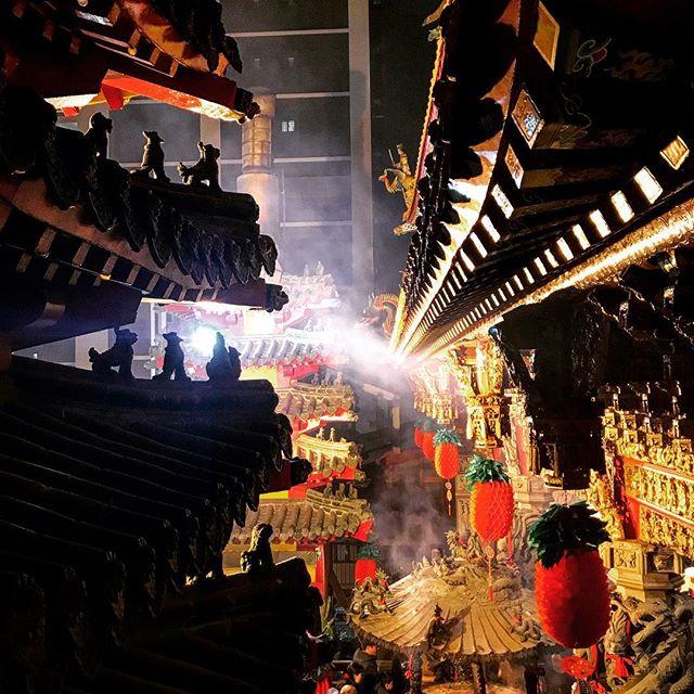 #chinesetemple #dao #daoism #senses #senseful #culture #authenticity #artfulventure #arteverywhere #cultureoftaiwan #mustexperience #cityphotography #heritage #historical #serenity #sereneplace #adayofcelebration