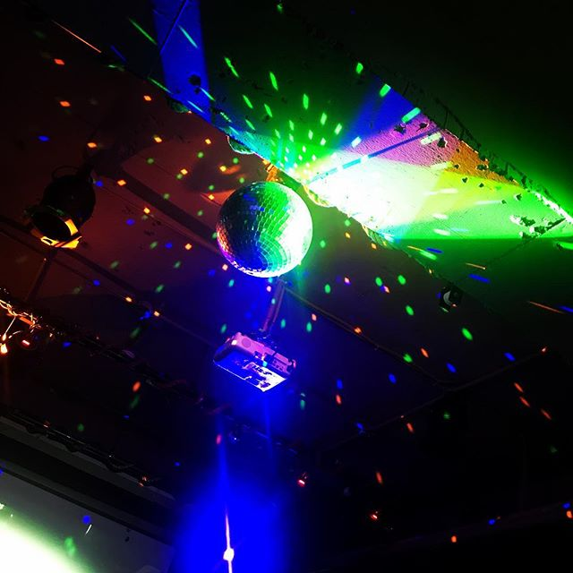 Disco ball in an Indian Summer. #discoball #rgb #rgbcolors #illusion #glare #starynight #batheinlight #neons #neonshower #stingy