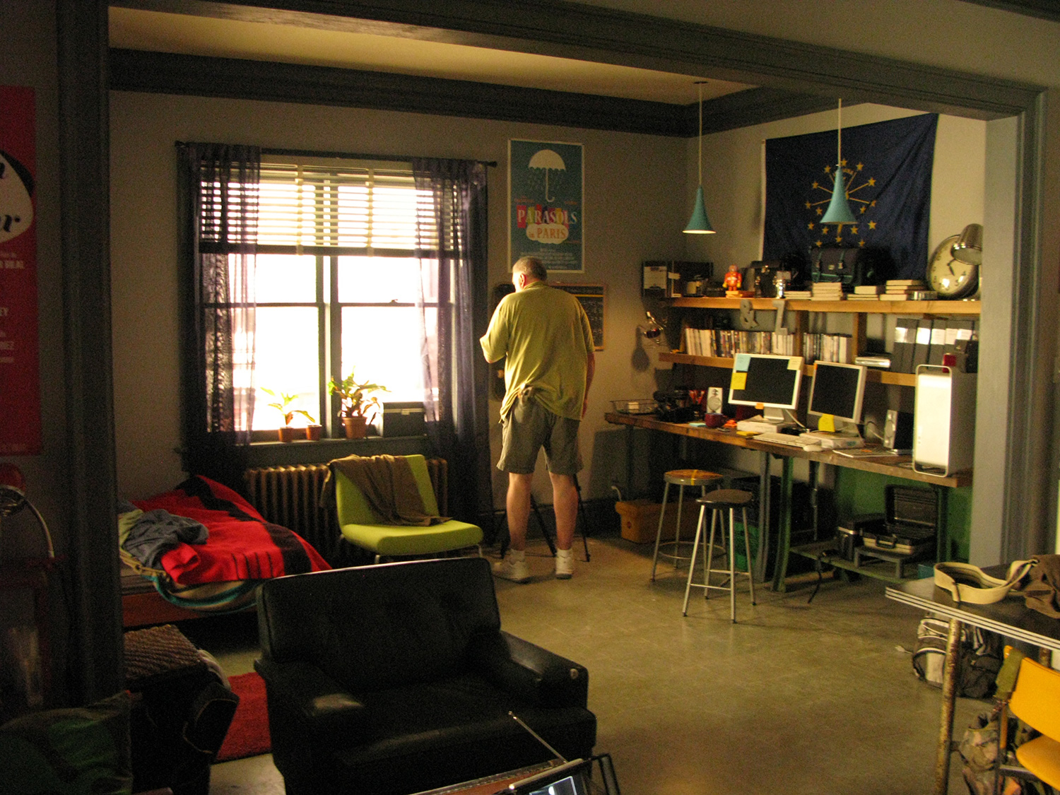 This is NYU film student Peyton's (Austin Butler) neighboring studio apartment stage set.