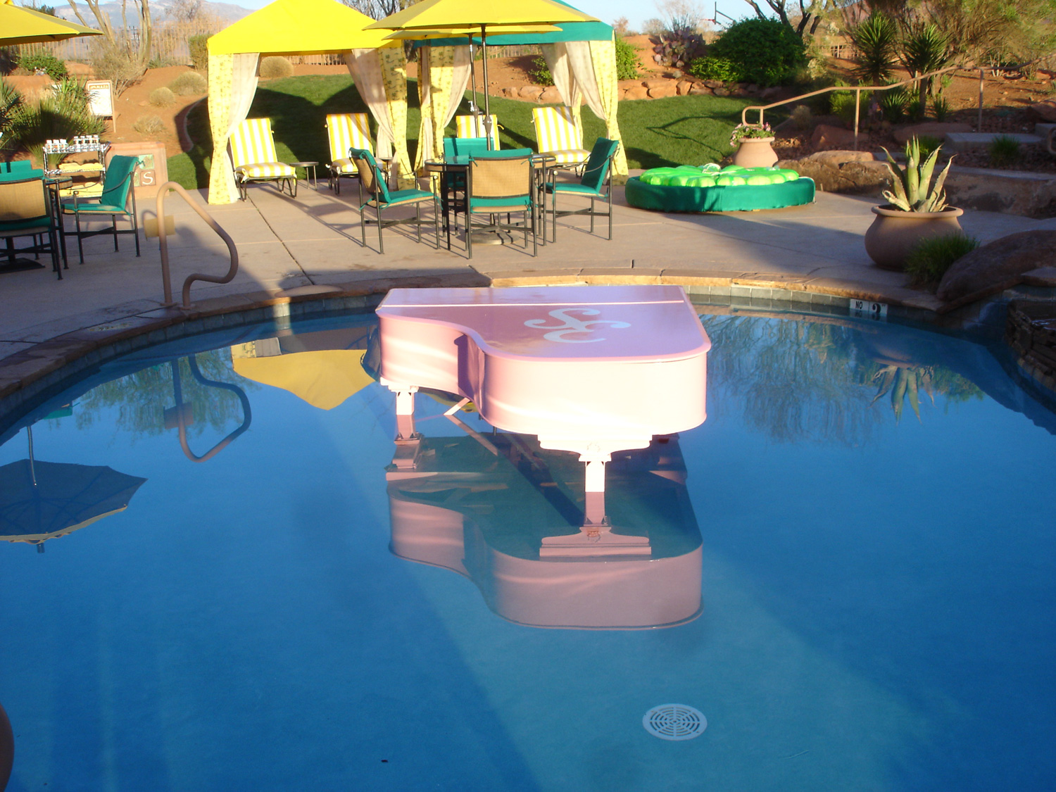 """Sharpay's (Ashley Tisdale) piano and pool cabanas for """"Fabulous"""" dance number."""