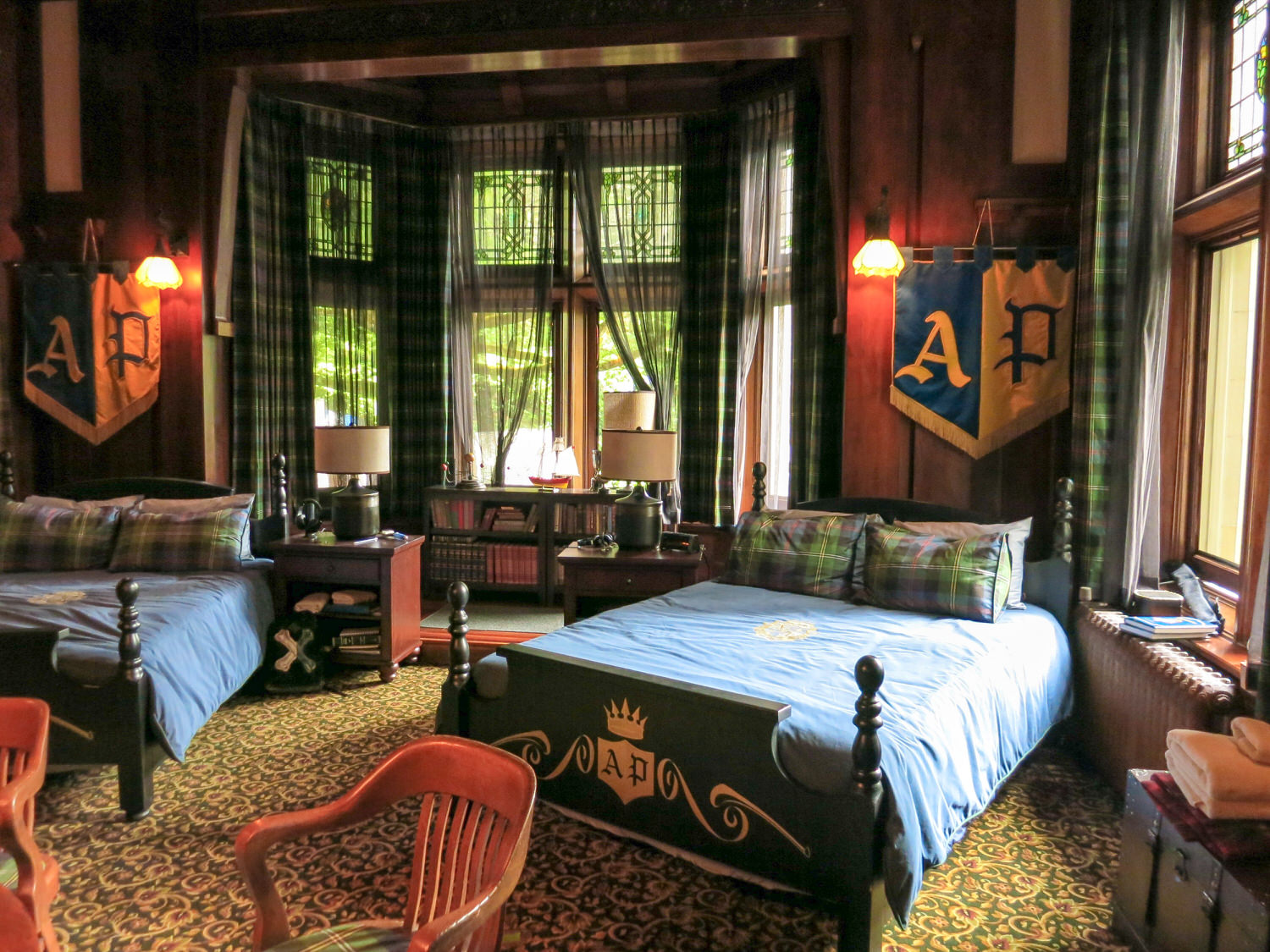 Another view of the boy's dorm room in Auradon prep.