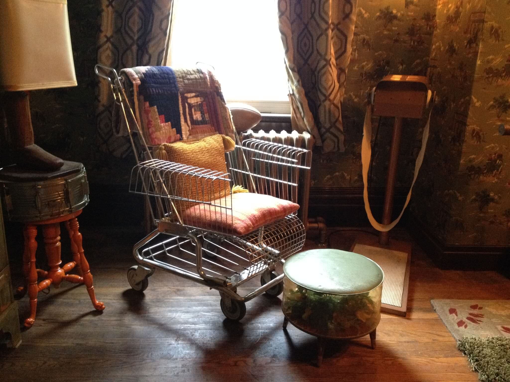Zed's (Milo Manheim) easy chair, a repurposed shopping cart in his bedroom in Zombietown.