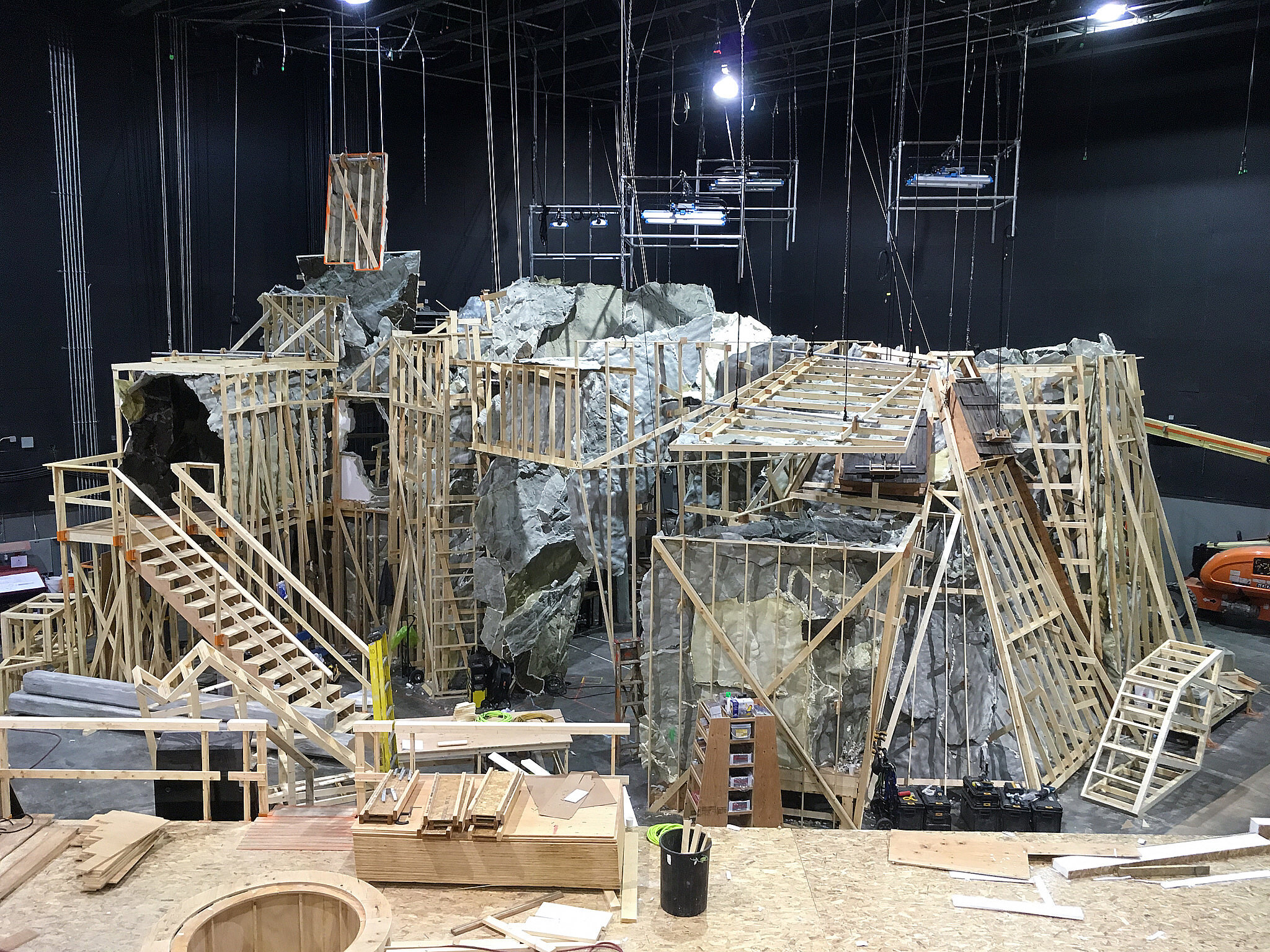 I think it's sometimes helpful to look at the structure of the outside of a set to understand the dimensions and functionality of the inside. Here is the outside of Hades lair showing entrances and exits, wild sections and lighting elements.