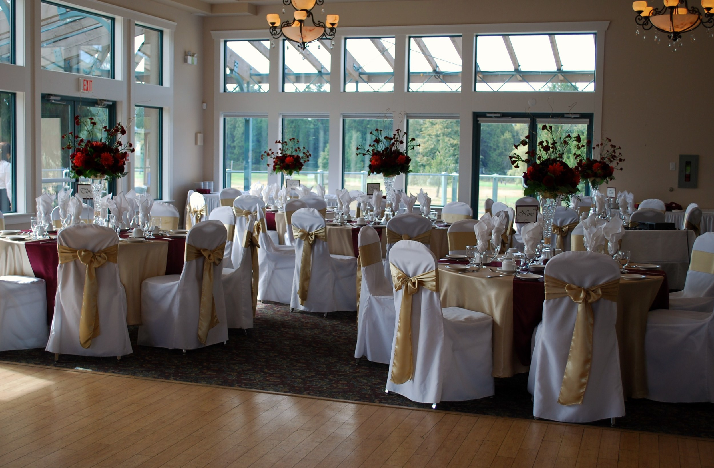 Langley Golf and Banquet center,  Design by Lili,  Flowers supplies by buckets fresh flowers