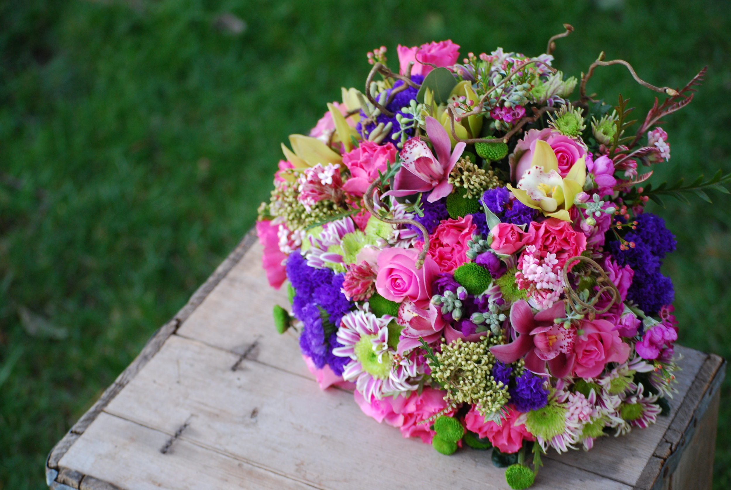 Bright color bouquet 038.JPG