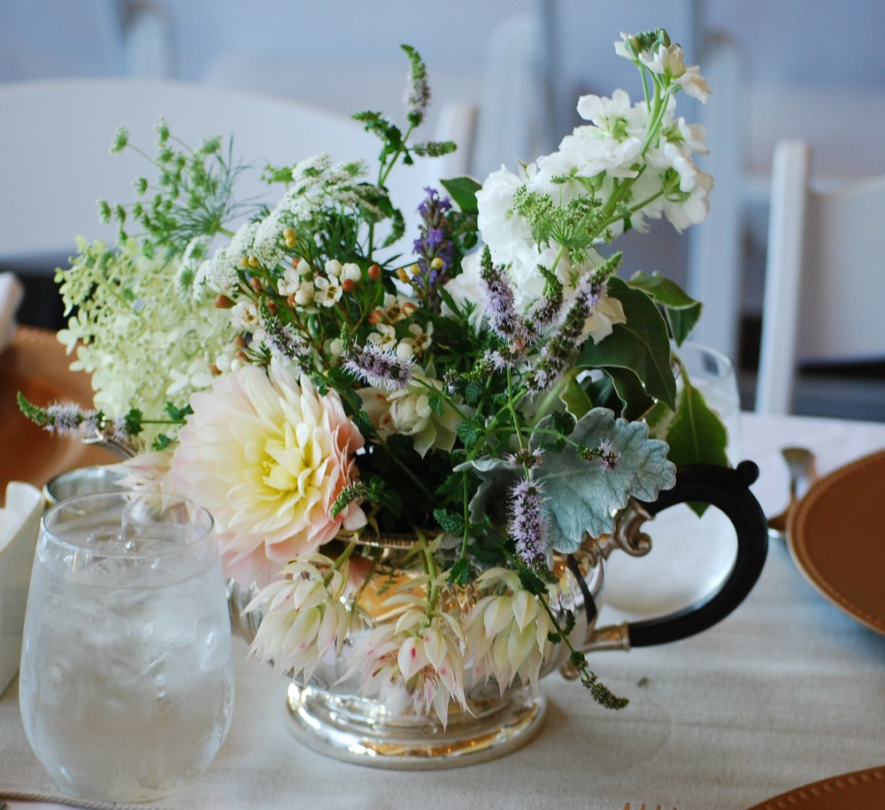 Vintage Style wedding centerpiece by wedding florist Floral Design by Lili in Fraser Valley, B.C.
