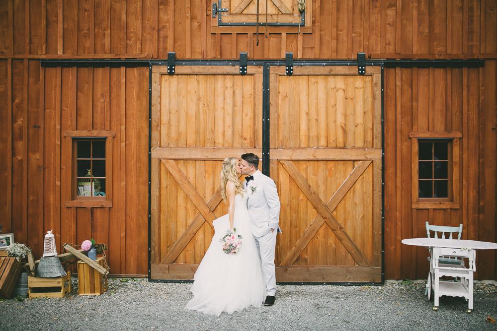 rustic-elegant-wedding-23.jpg