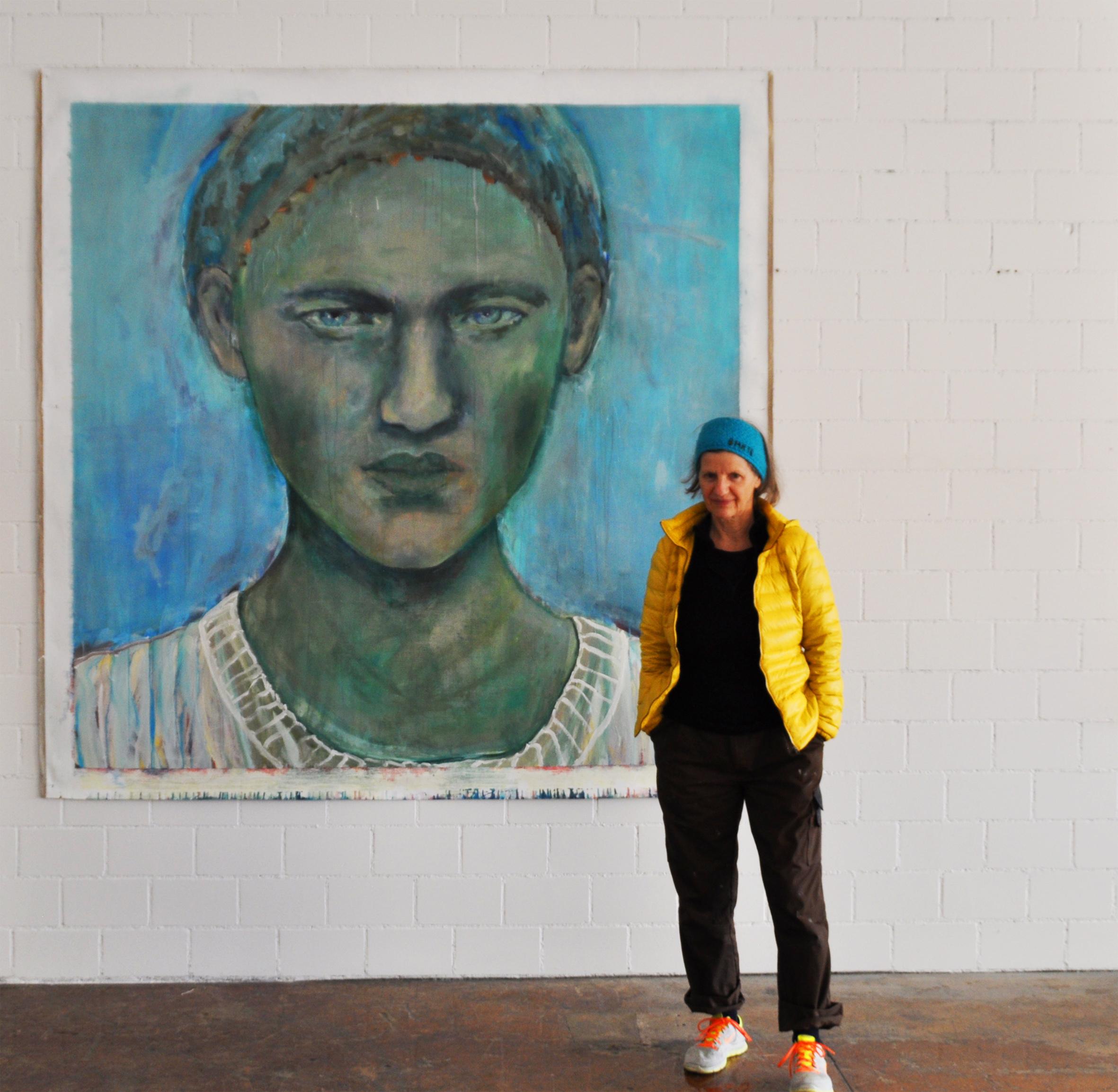 Karin Felder im  Ausstellungsraum 2019