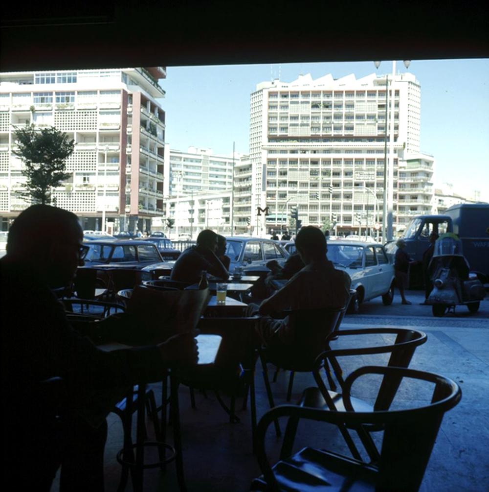 Café Luanda (em Lisboa), de outra forma não relacionado com nostalgias colonialistas.