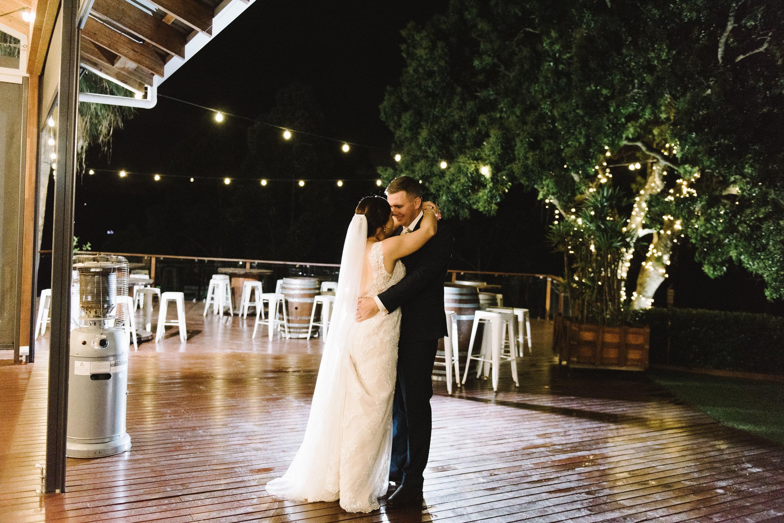 LAURENOLIVIA-austinvilla-estate-wedding-99.jpg