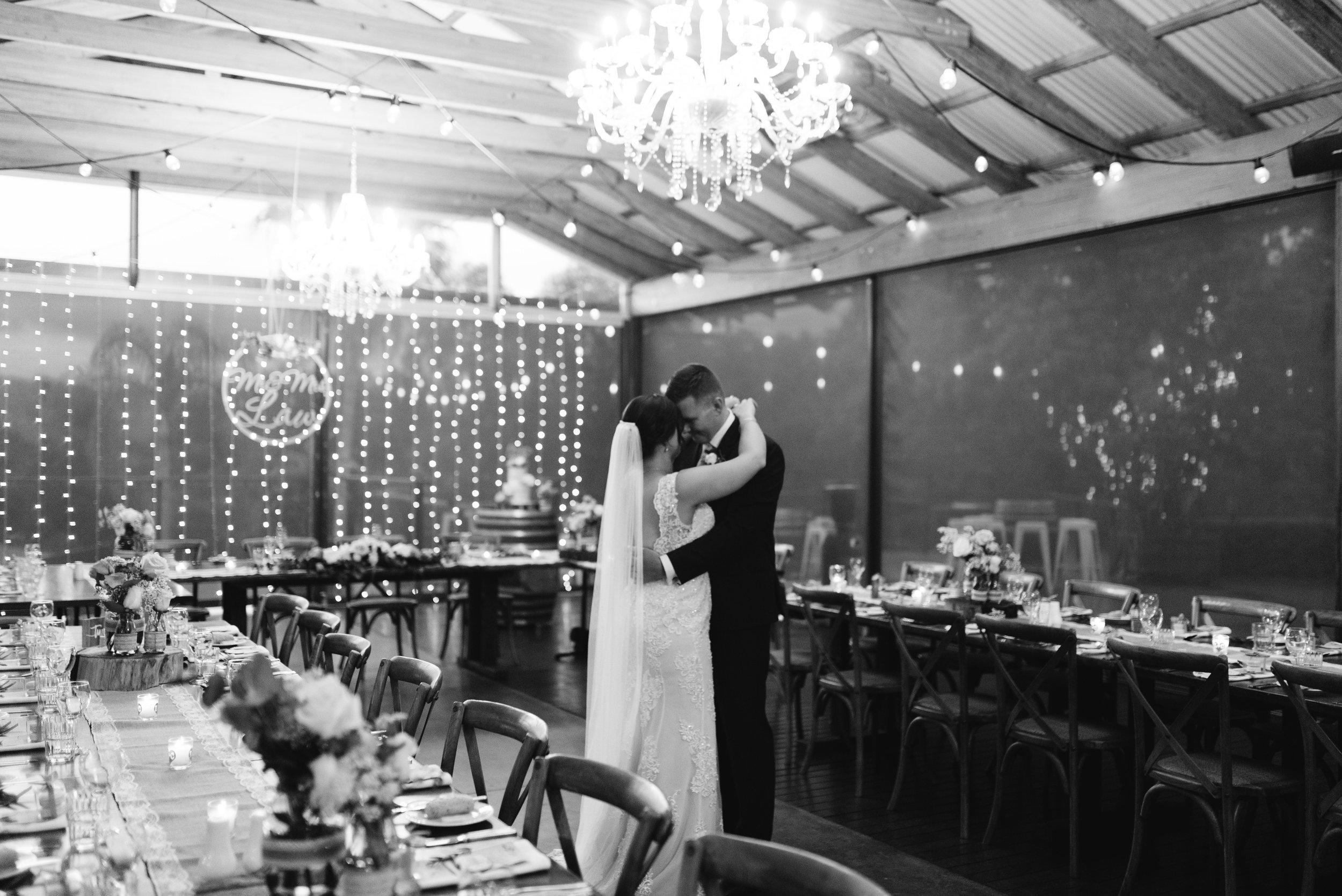 LAURENOLIVIA-austinvilla-estate-wedding-78.jpg
