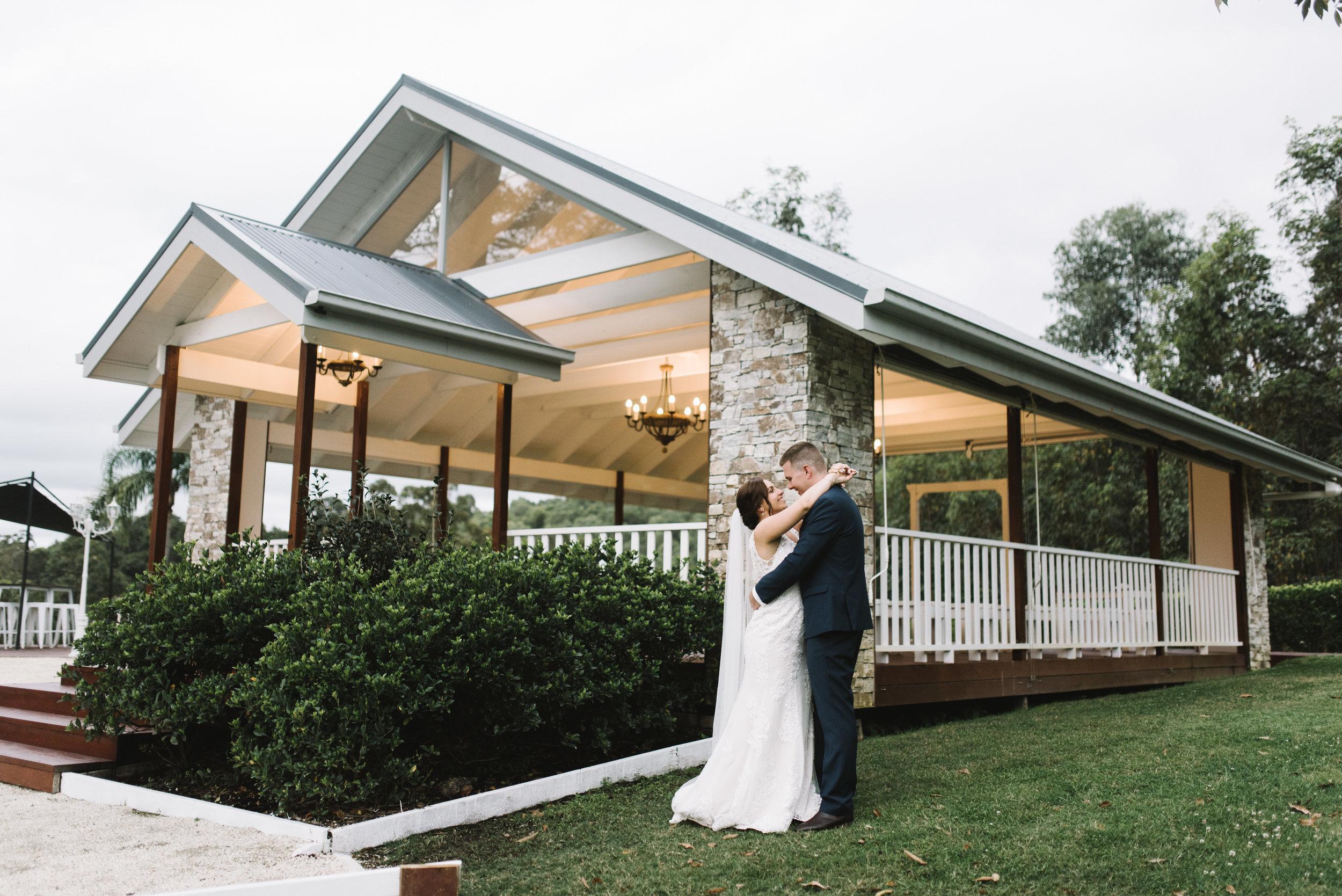 LAURENOLIVIA-austinvilla-estate-wedding-70.jpg
