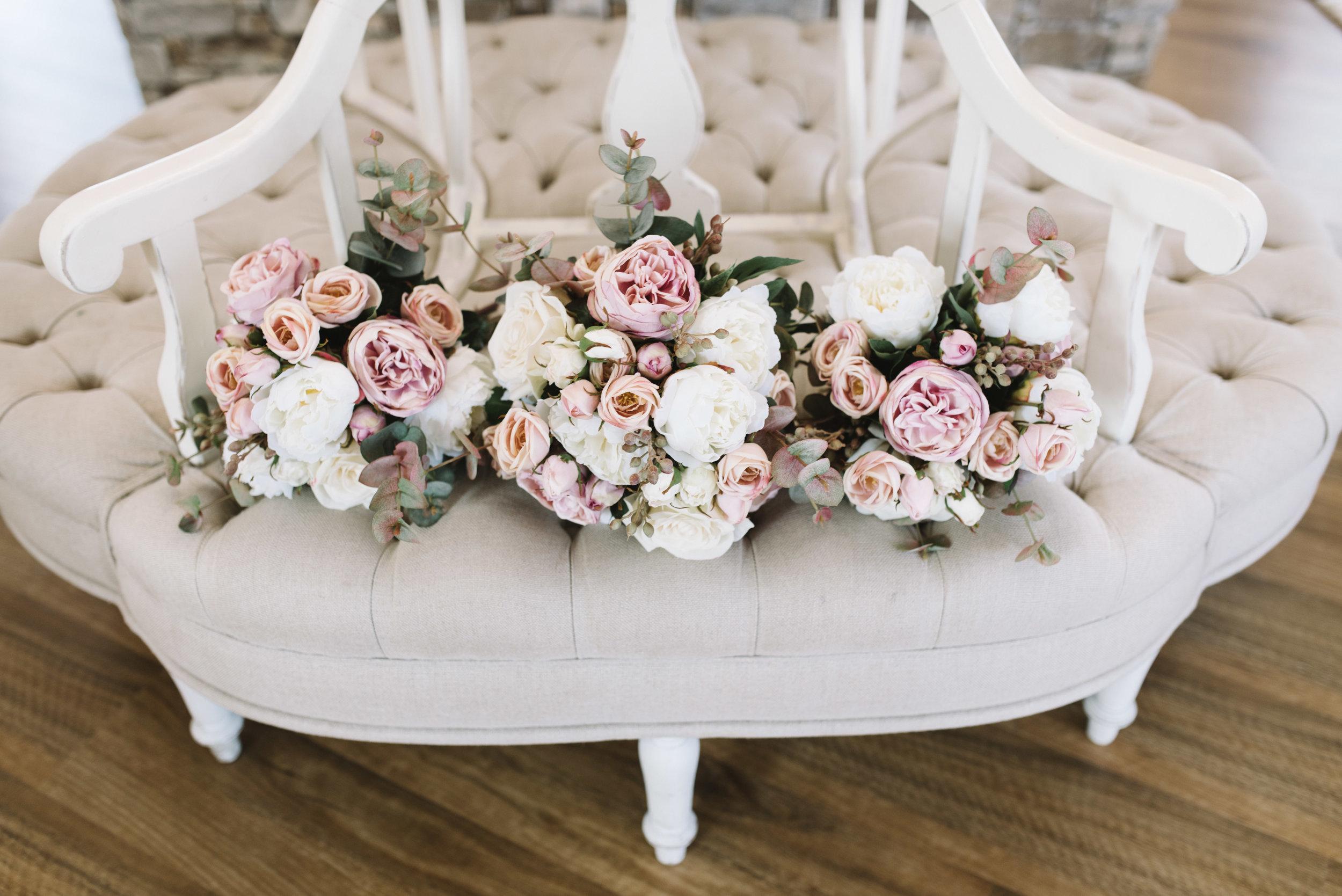 LAURENOLIVIA-austinvilla-estate-wedding-6.jpg