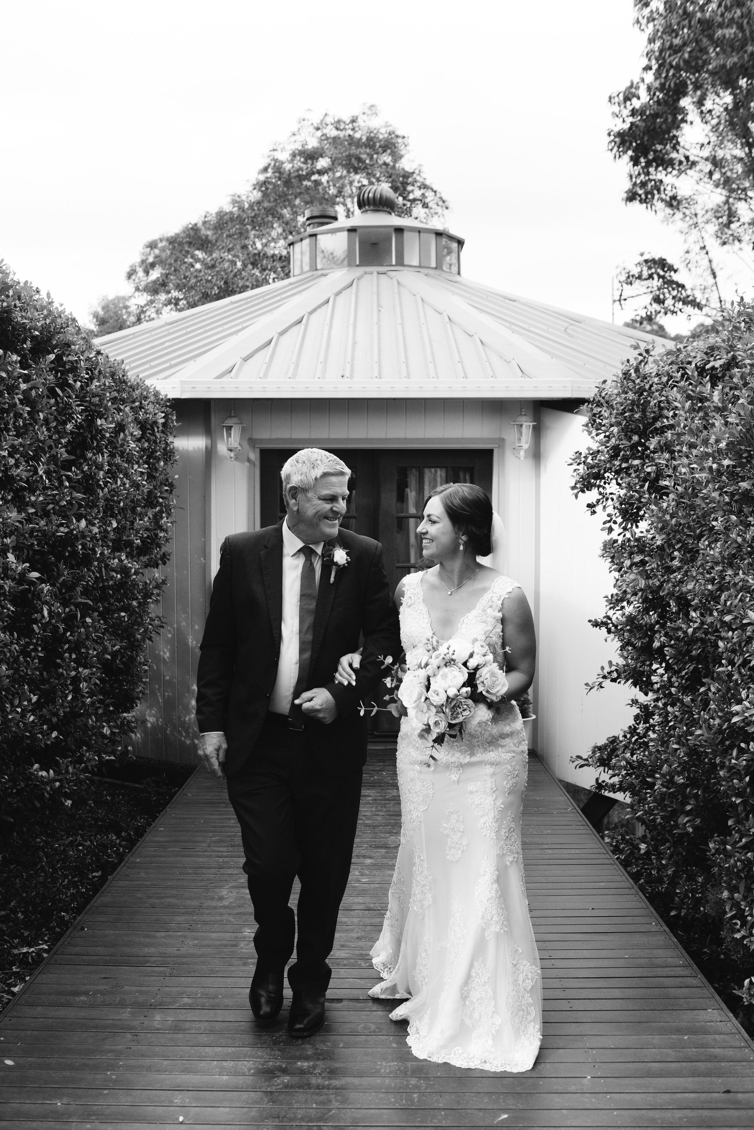 LAURENOLIVIA-austinvilla-estate-wedding-17.jpg