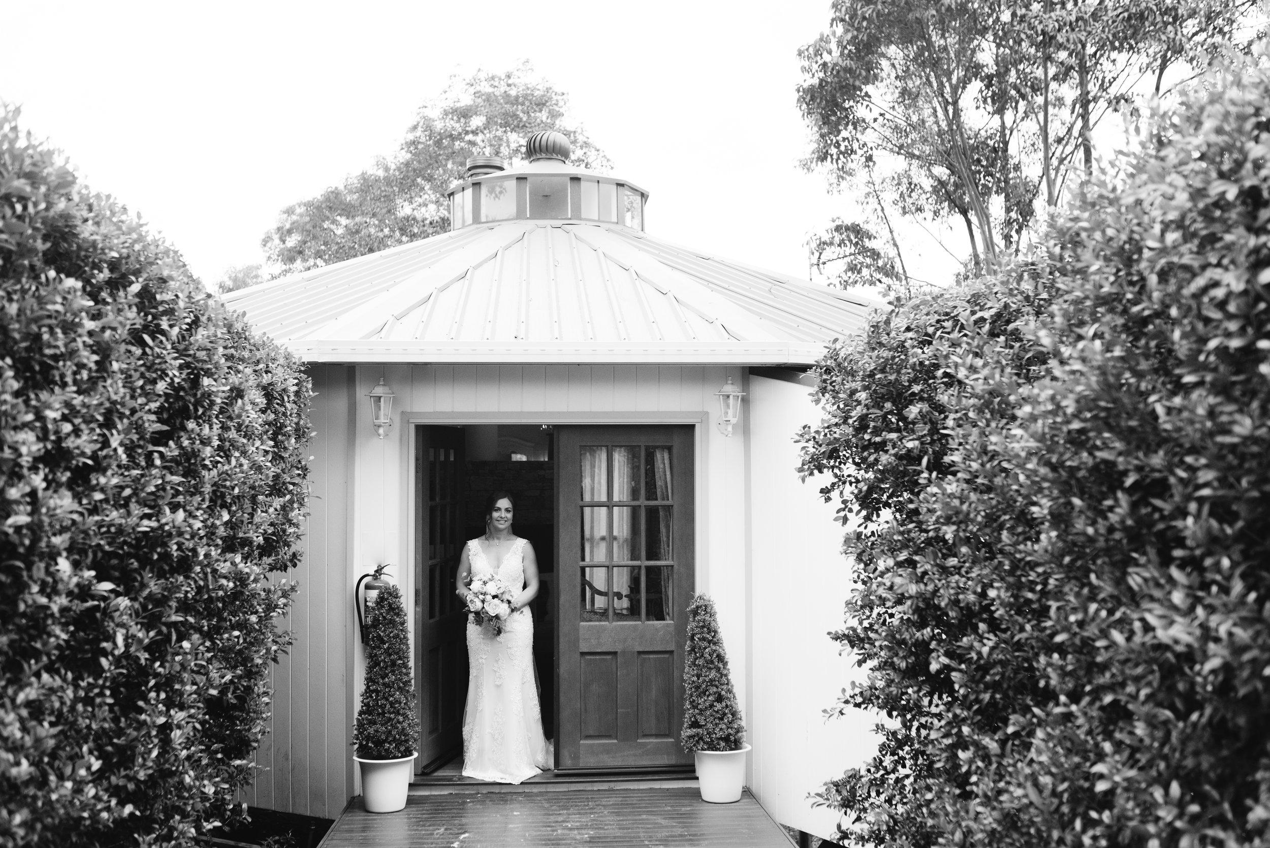 LAURENOLIVIA-austinvilla-estate-wedding-14.jpg
