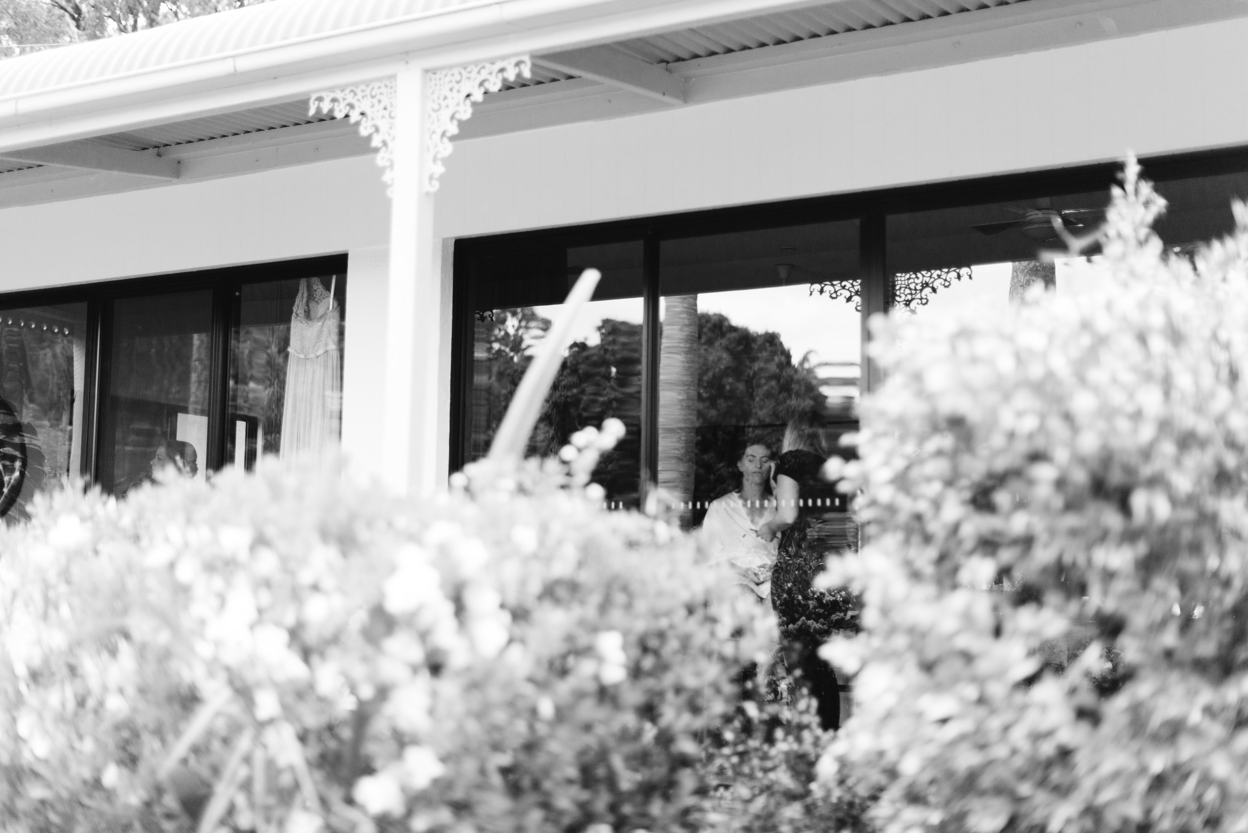 LAURENOLIVIA-austinvilla-estate-wedding-3.jpg
