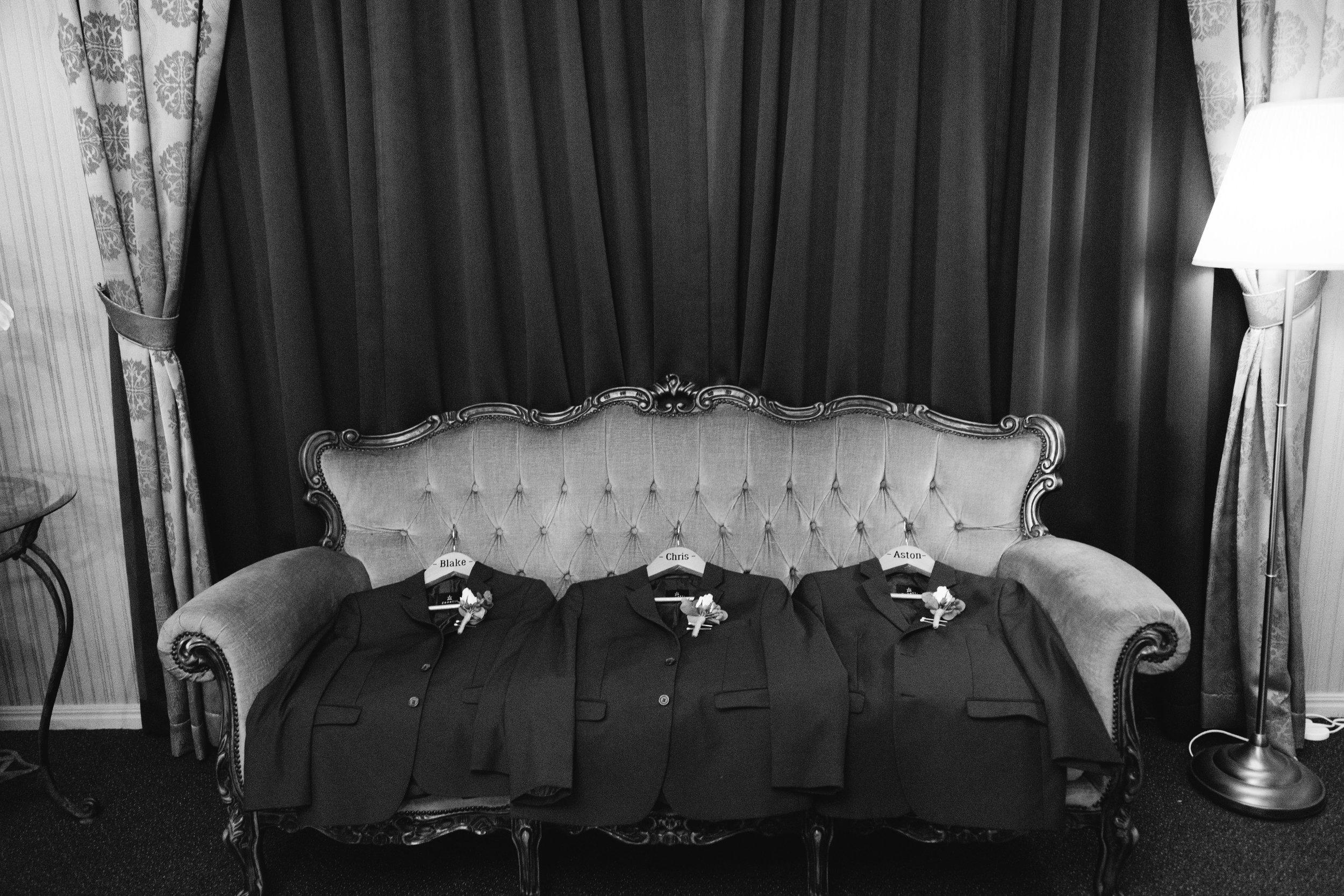 LAURENOLIVIA-austinvilla-estate-wedding-22.jpg