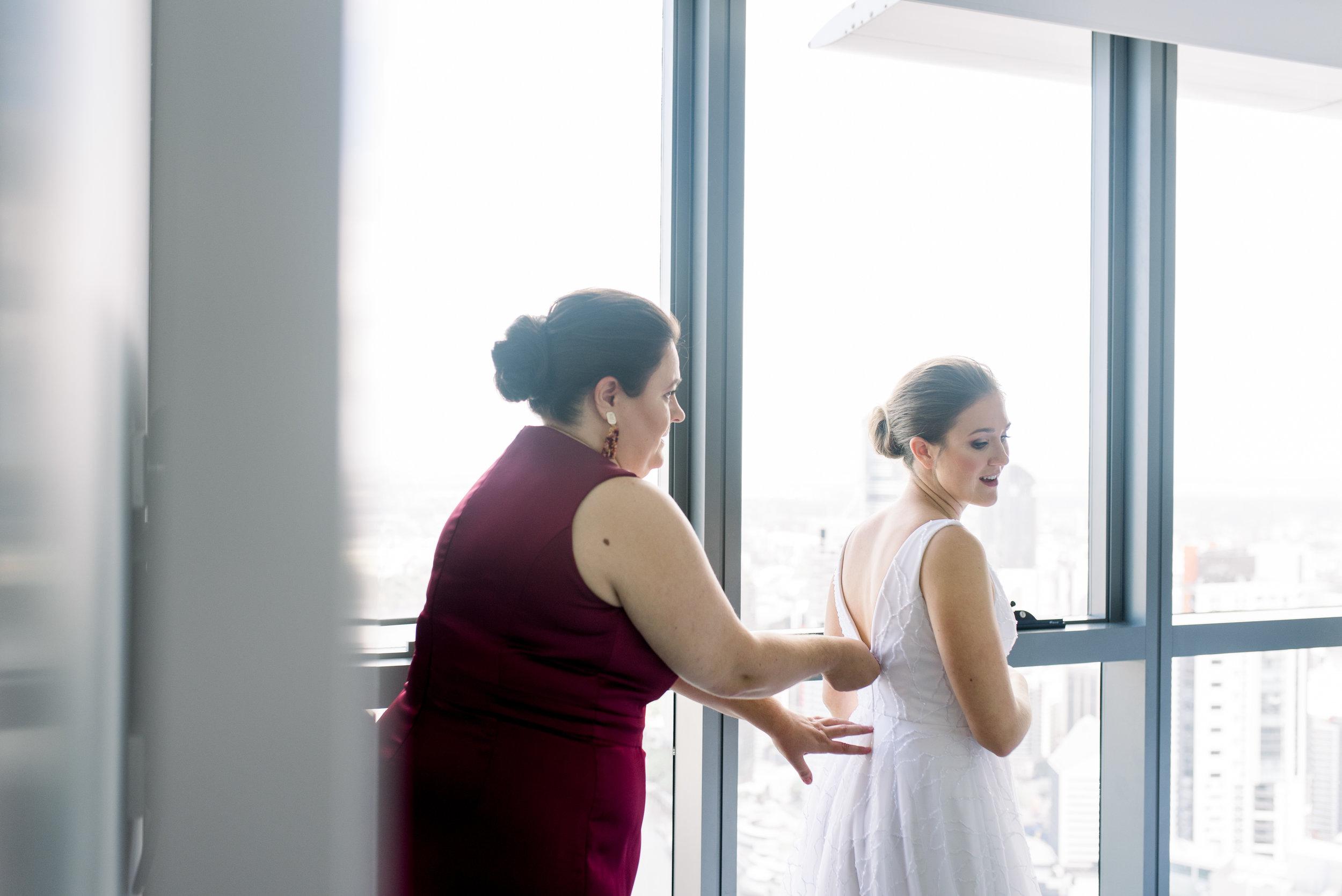 refinery-wedding-brisbane-city-wedding-photographer-23.jpg