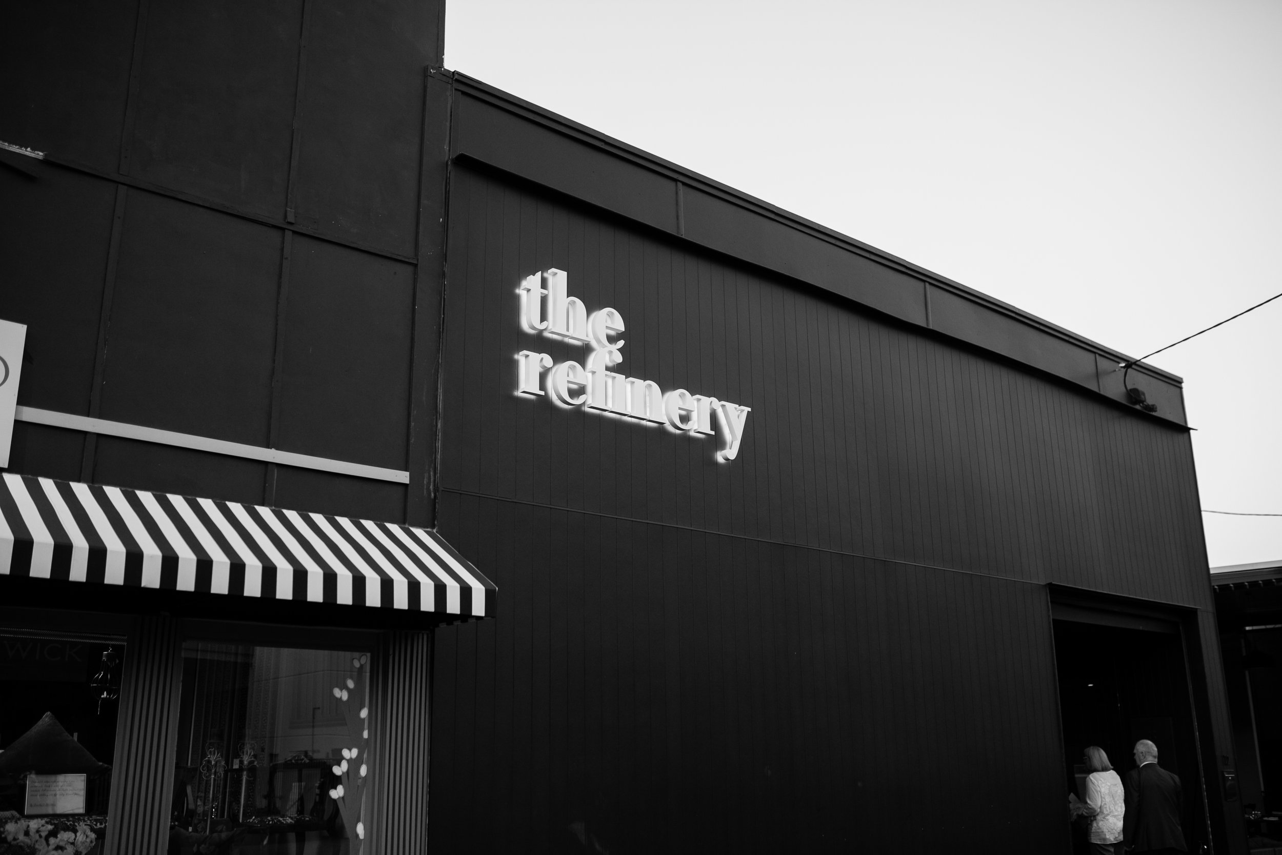 refinery-wedding-brisbane-city-wedding-photographer-82.jpg