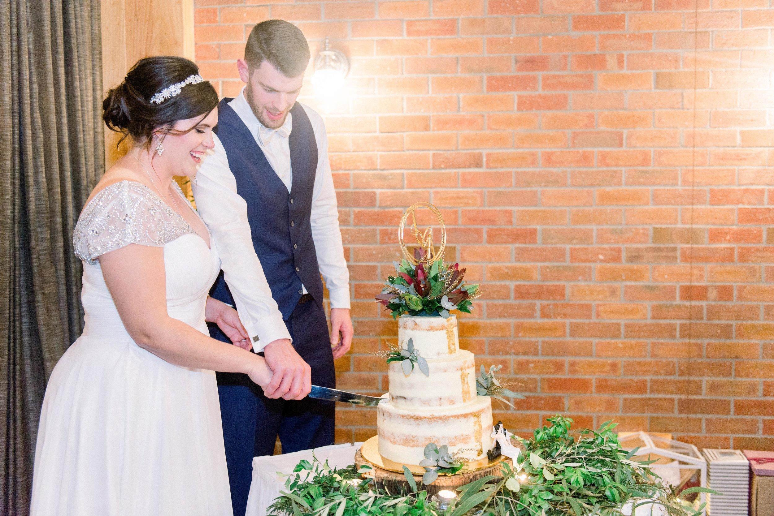 brisbane-city-wedding-photographer-loft-westend-15.jpg
