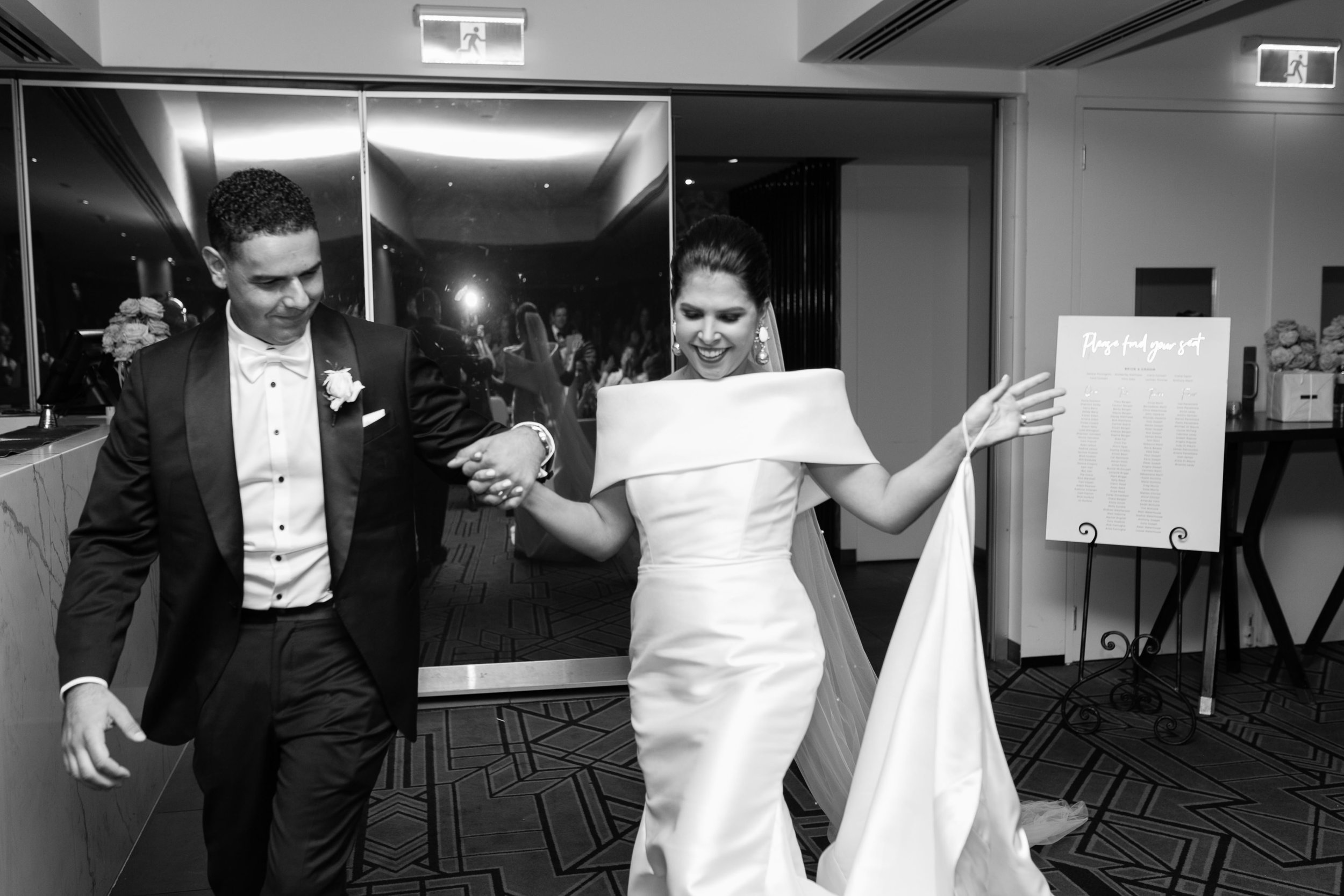 black-bird-brisbane-wedding-photography-film-photography-beautiful-reception-dance-candid-tweed-coast-wedding-131.jpg