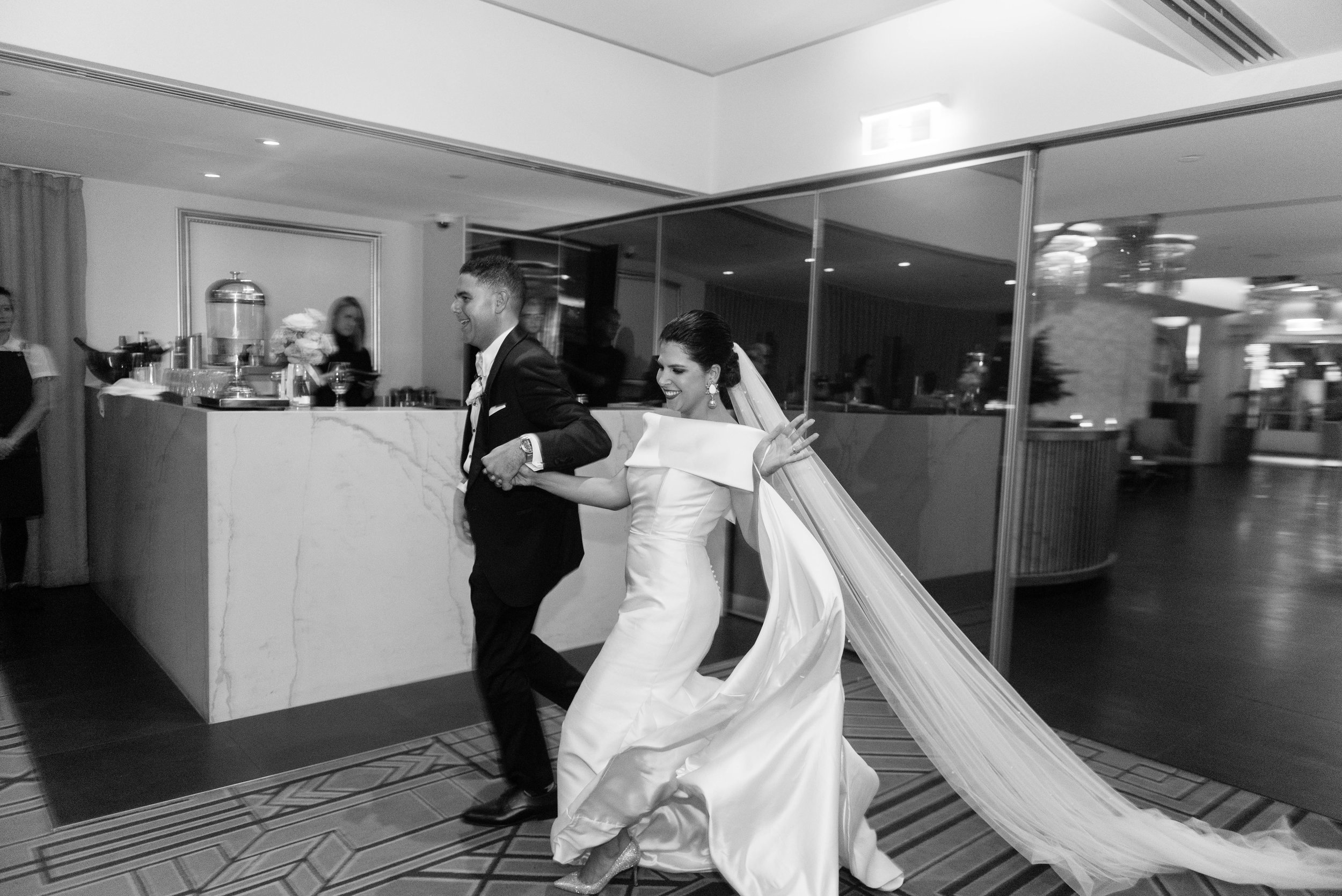 black-bird-brisbane-wedding-photography-film-photography-beautiful-reception-dance-candid-tweed-coast-wedding-146.jpg