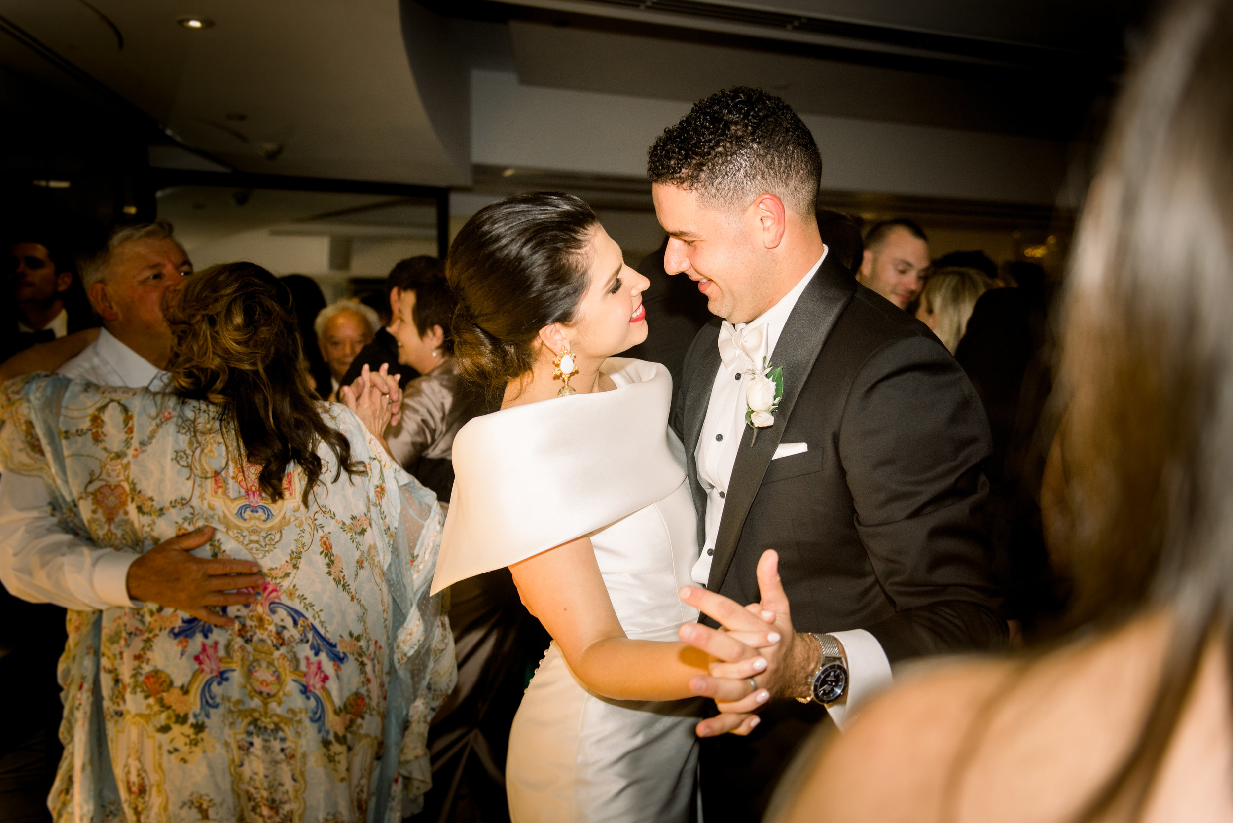 black-bird-brisbane-wedding-photography-film-photography-beautiful-reception-dance-candid-tweed-coast-wedding-179.jpg
