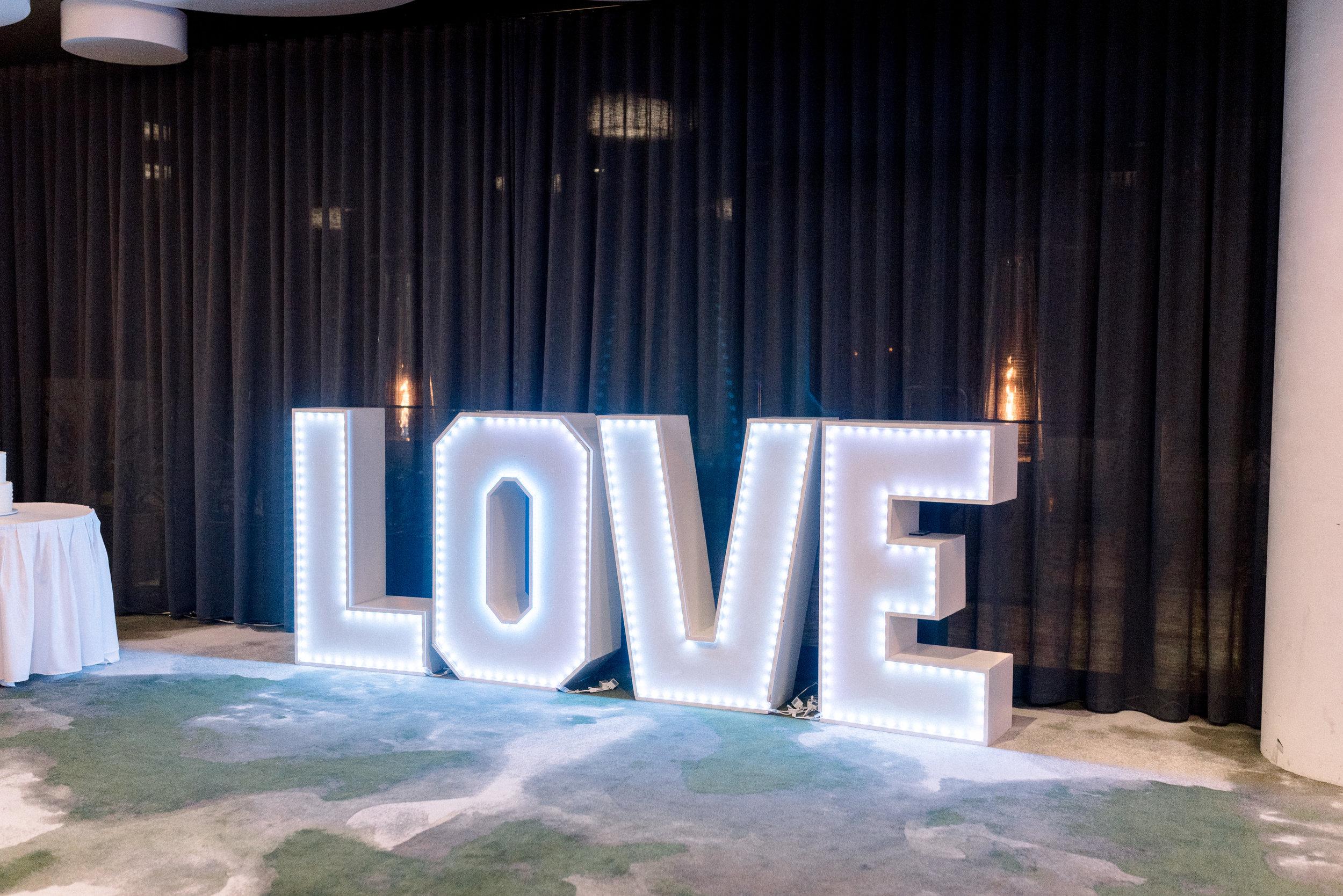 brisbane-city-wedding-photographer-romantic-wedding-80.jpg