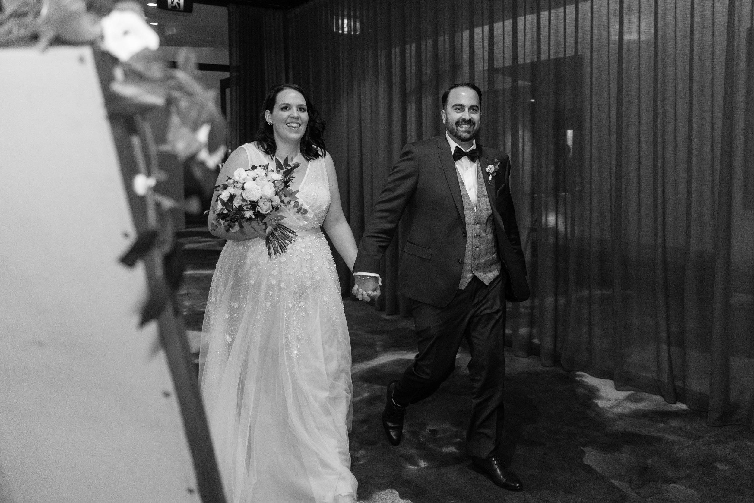 brisbane-city-wedding-photographer-romantic-wedding-83.jpg