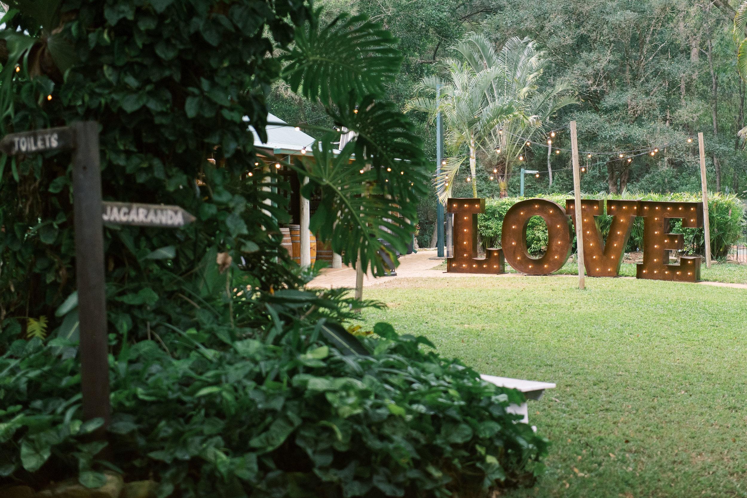 brisbane-gold-coast-sunshine-coast-romantic-wedding-photographer-39.jpg