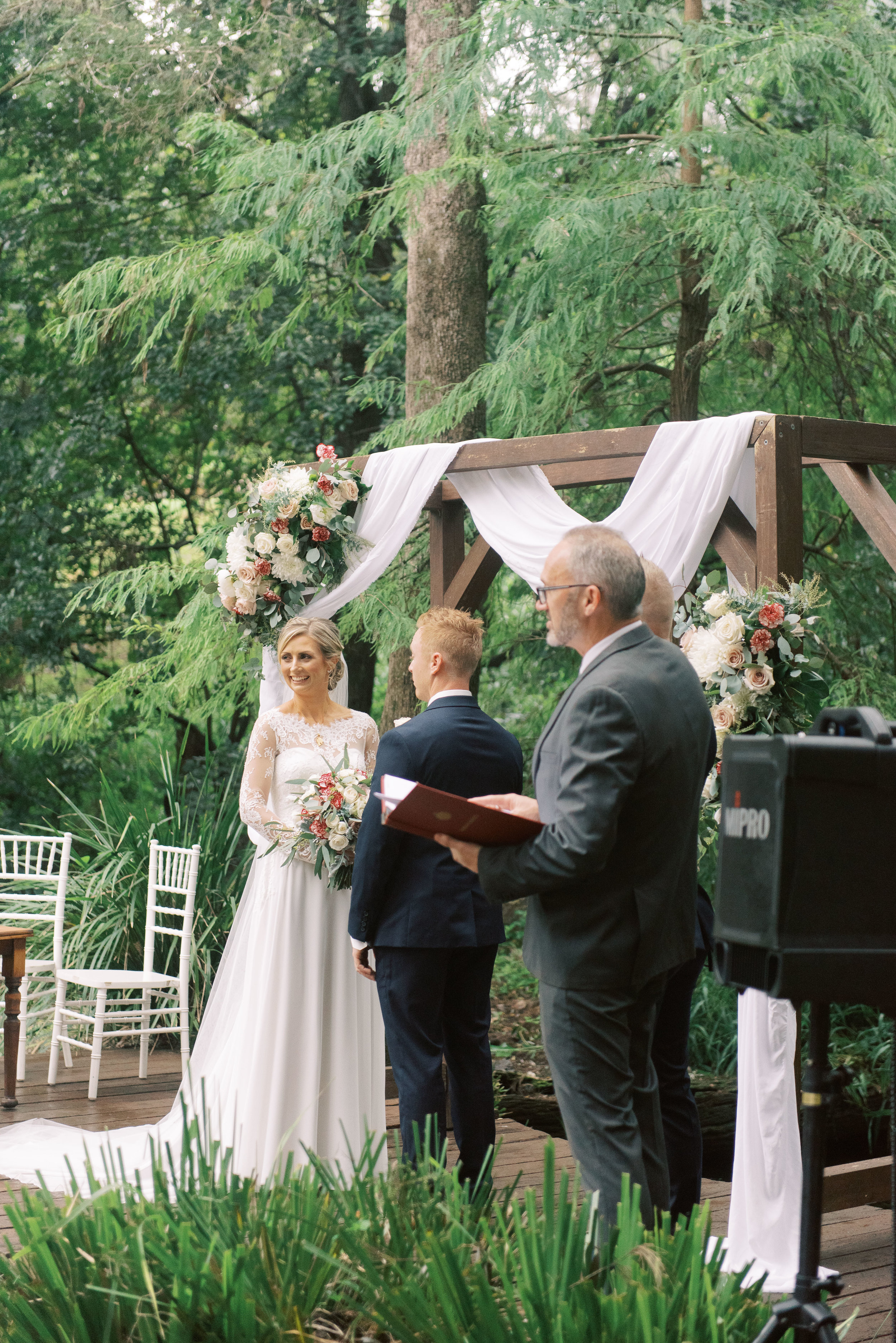 brisbane-gold-coast-sunshine-coast-romantic-wedding-photographer-50.jpg