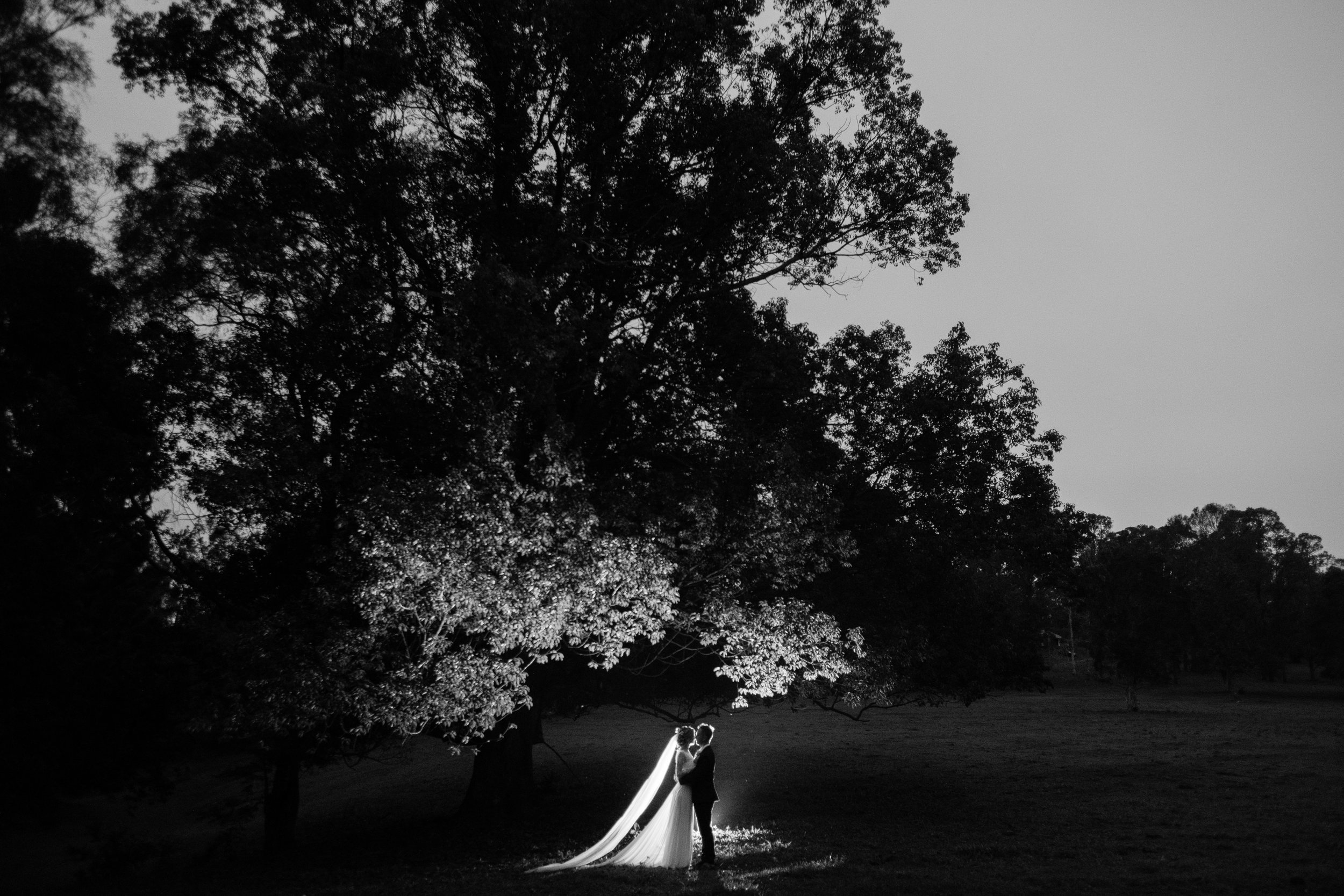 brisbane-gold-coast-sunshine-coast-romantic-wedding-photographer-76.jpg
